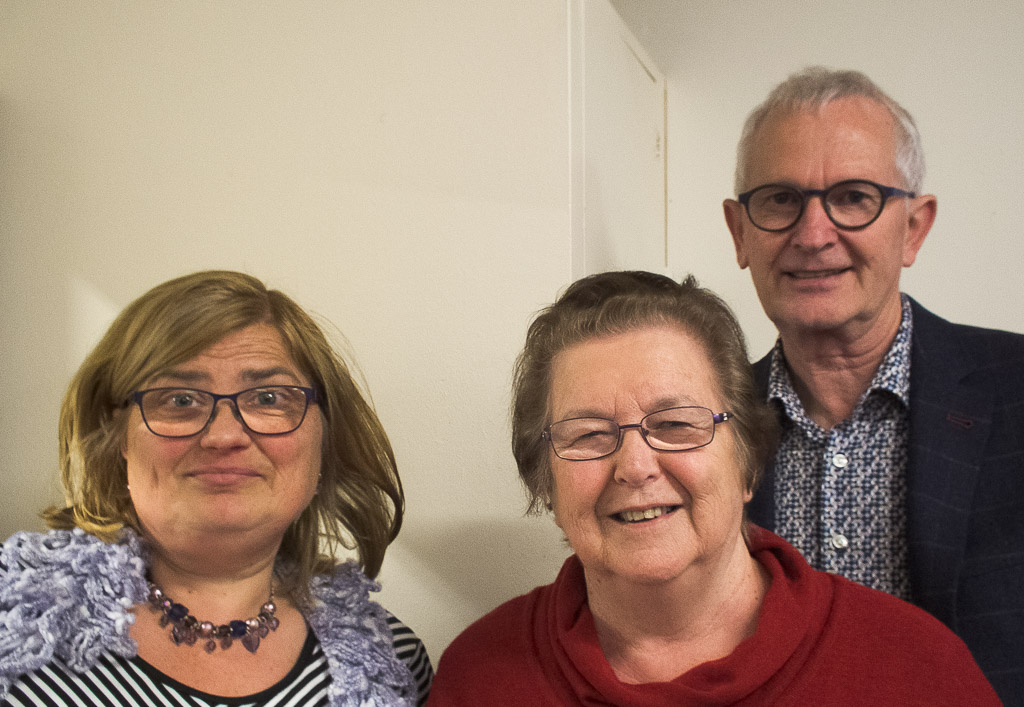 Ruth Brooker and Dorothy Mackay, overall winners. Behind them is Graeme Rolston from Waikanae Funeral Home, our sponsors.