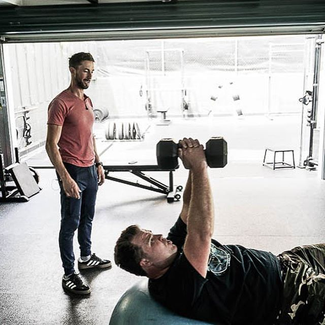 Mondays & Fridays 5:30AM - 6:30AM, come workout with @christburke1 before work! Full facilities available if you need to get straight to work!  Contact Chris at christophertburke@hotmail.com for a FREE trial!