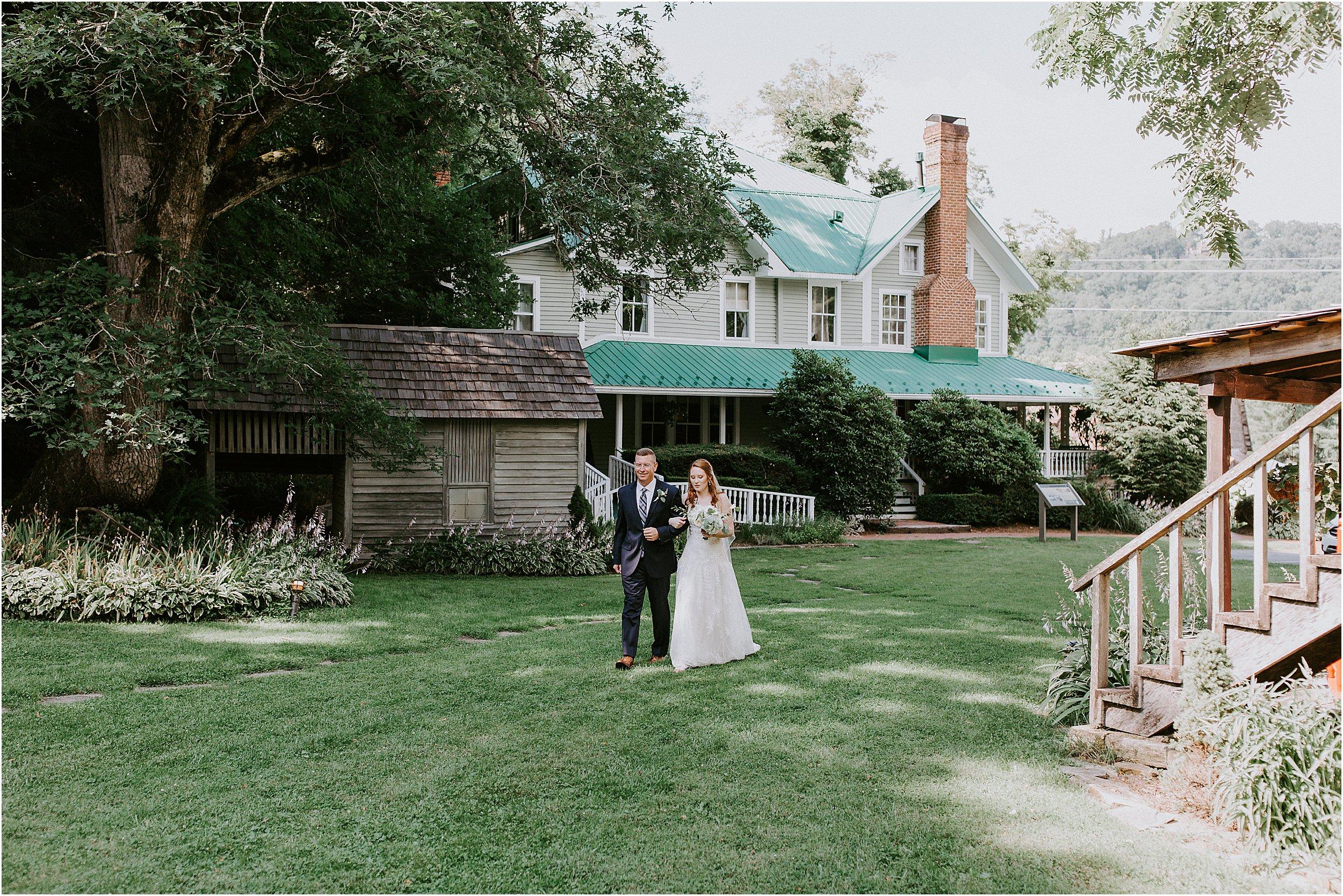 Mast-Farm-Inn-Mountain-Wedding_0046.jpg