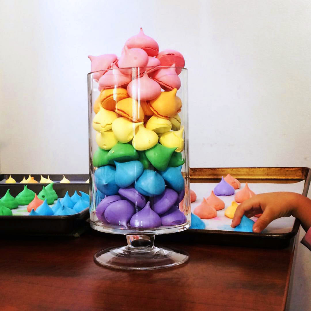 Meringues to match a rainbow theme