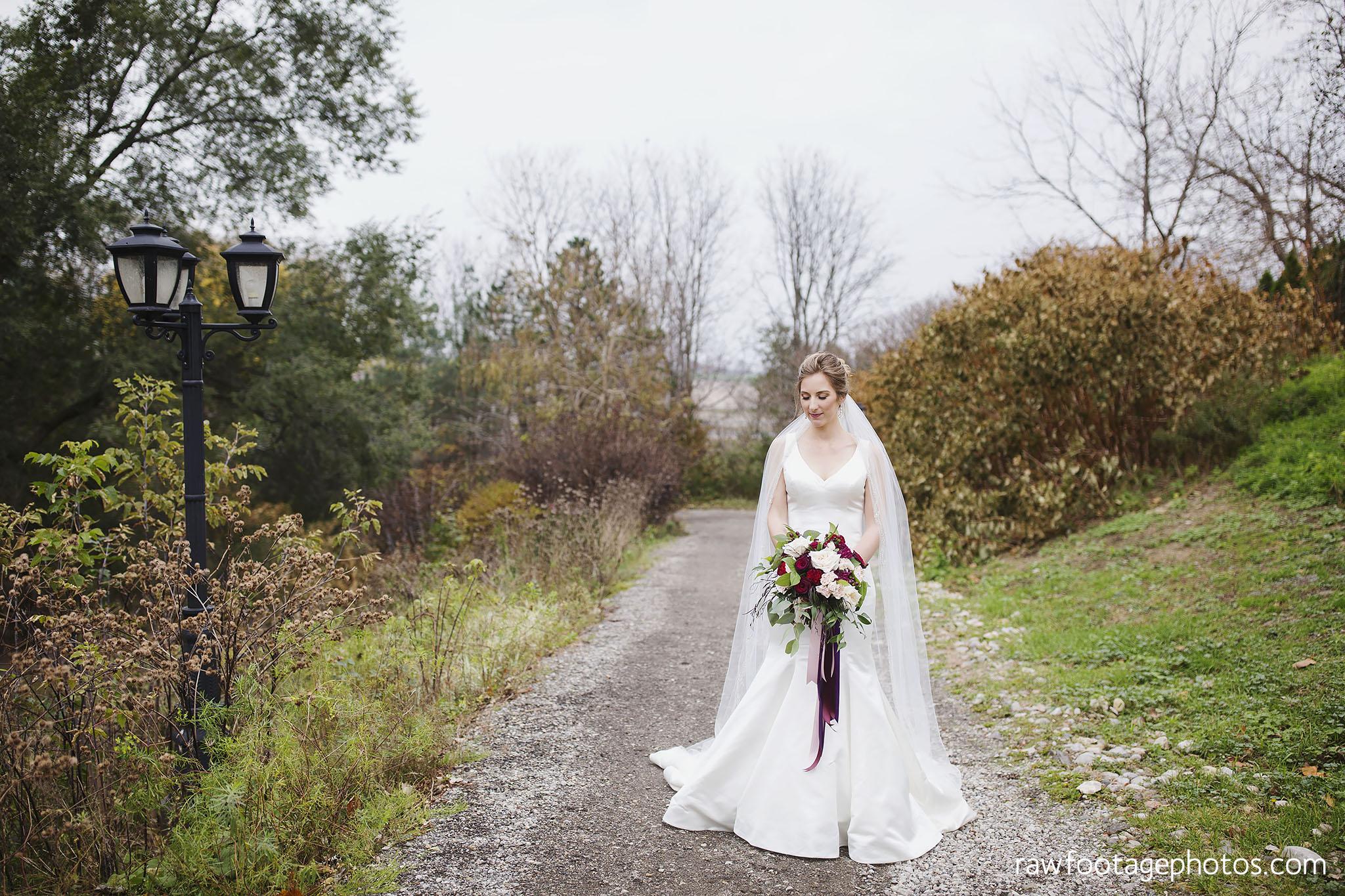 london_ontario_wedding_photos-fall_wedding_photography-raw_footage_photography-elm_hurst_inn_wedding027.jpg
