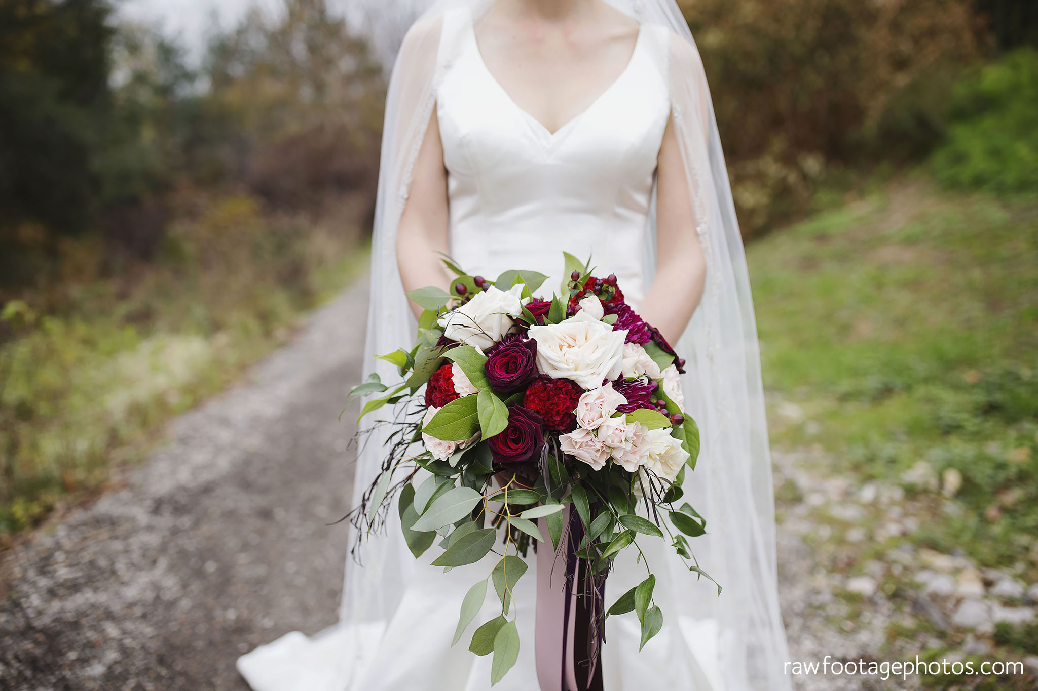 london_ontario_wedding_photos-fall_wedding_photography-raw_footage_photography-elm_hurst_inn_wedding028.jpg