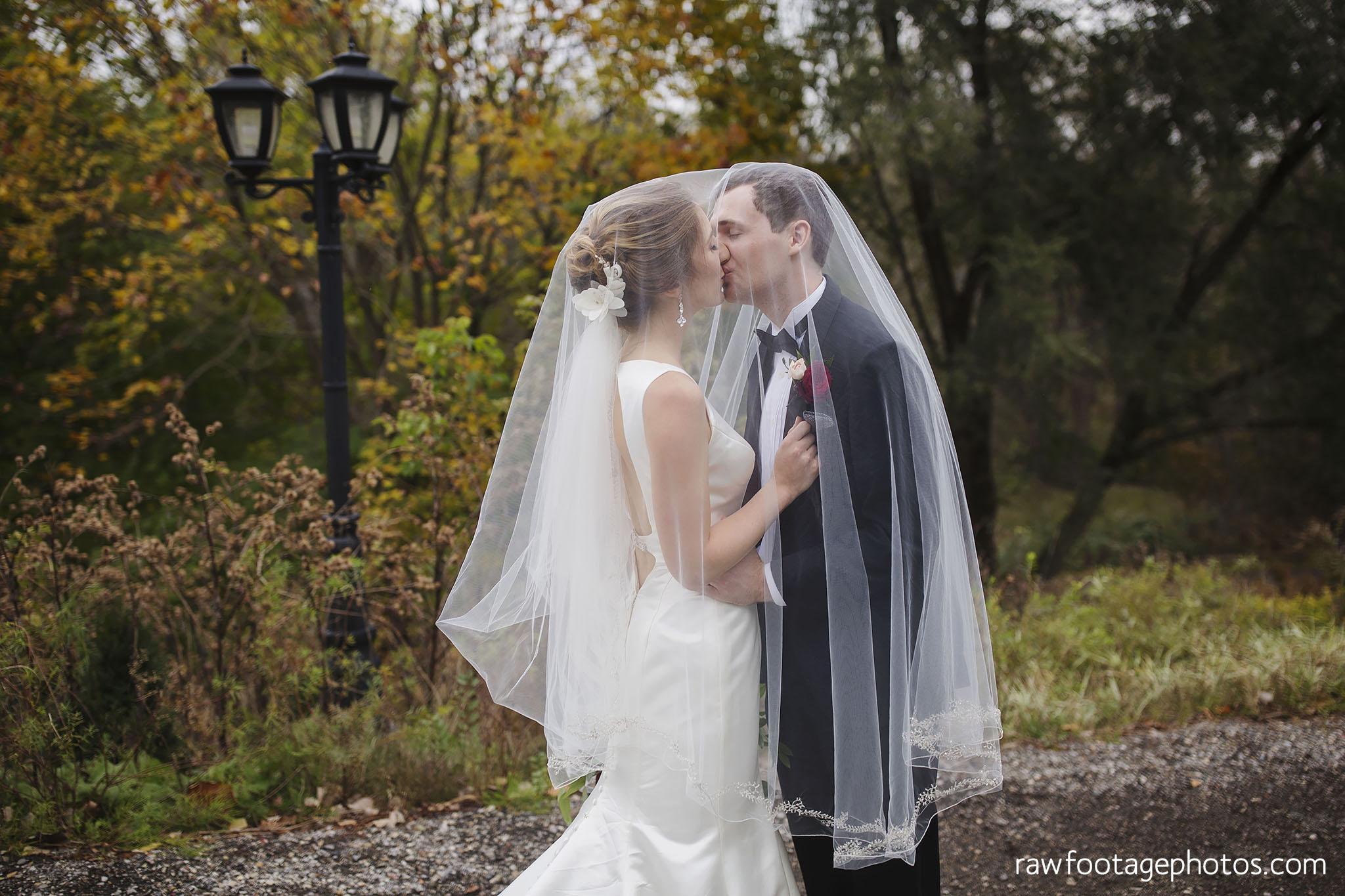 london_ontario_wedding_photos-fall_wedding_photography-raw_footage_photography-elm_hurst_inn_wedding032.jpg
