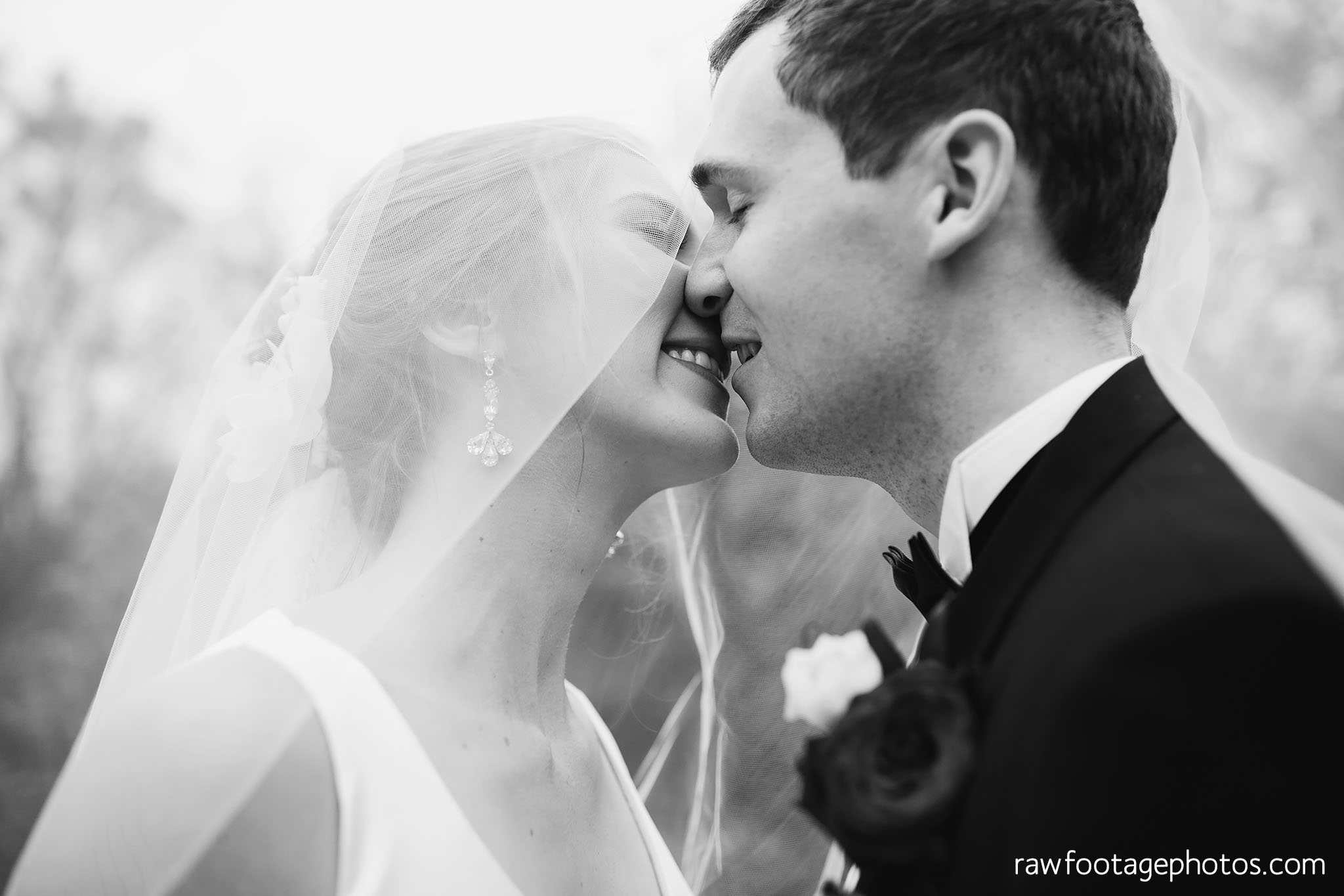 london_ontario_wedding_photos-fall_wedding_photography-raw_footage_photography-elm_hurst_inn_wedding033.jpg