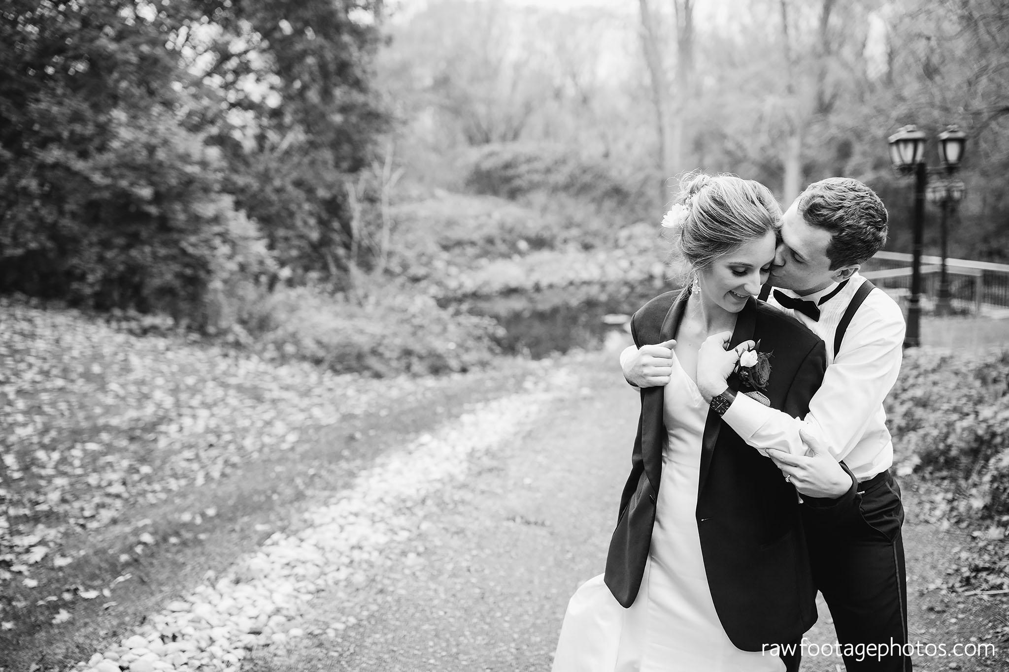 london_ontario_wedding_photos-fall_wedding_photography-raw_footage_photography-elm_hurst_inn_wedding043.jpg