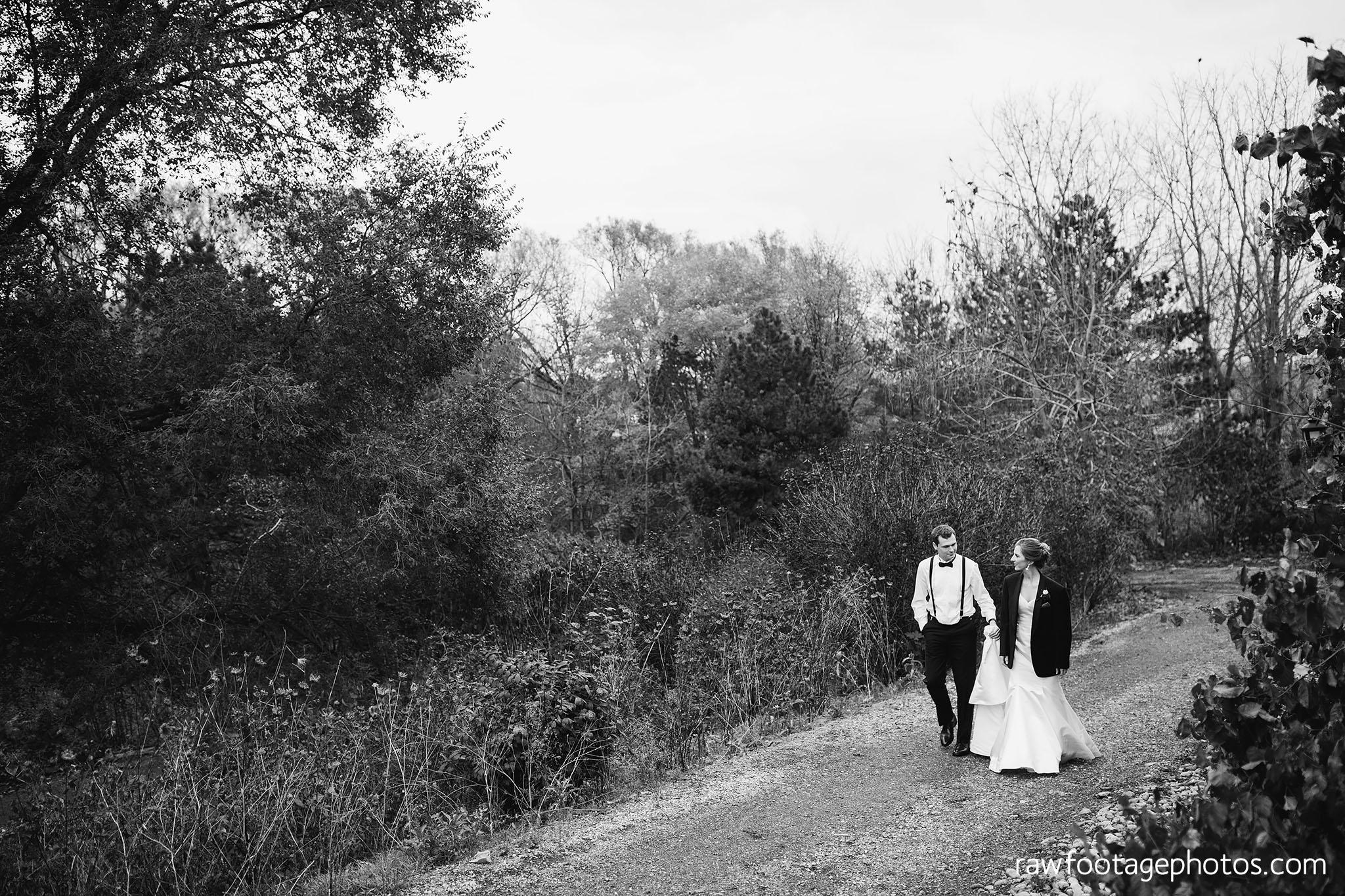london_ontario_wedding_photos-fall_wedding_photography-raw_footage_photography-elm_hurst_inn_wedding044.jpg