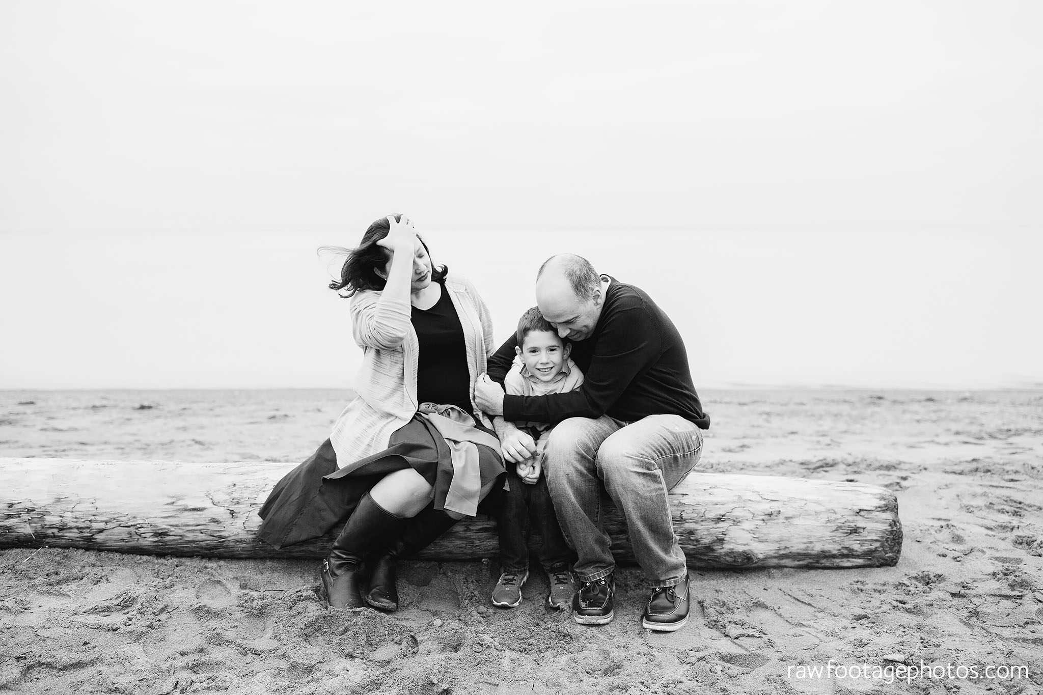 london_ontario_family_photographer-port_stanley_photography-raw_footage_photography-family_photos-beach_photos-fall_family_photos-lifestyle_family_photography-candid_photographer001.jpg