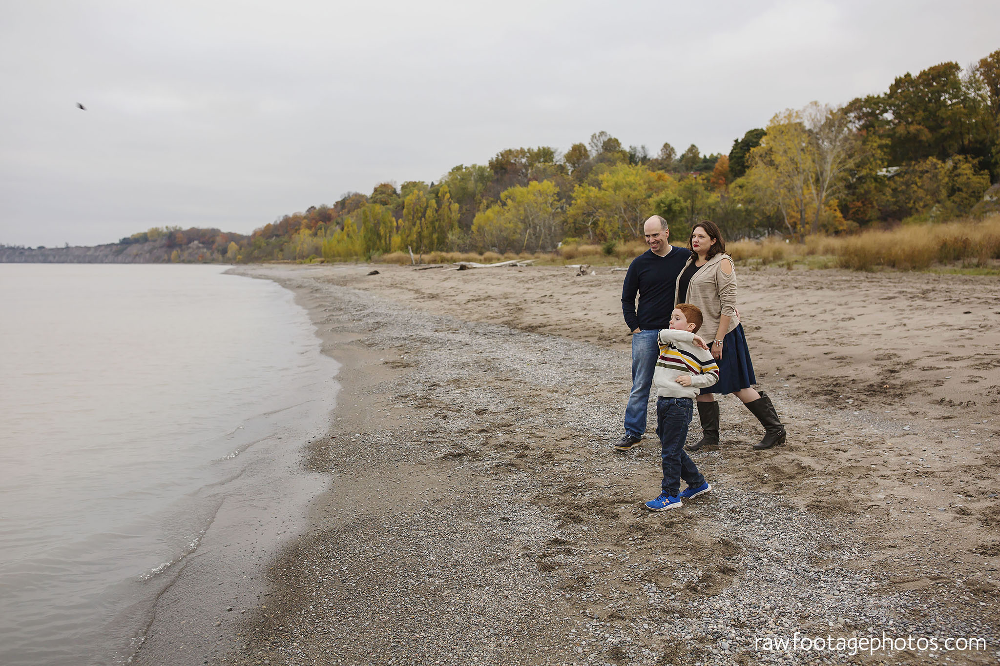 london_ontario_family_photographer-port_stanley_photography-raw_footage_photography-family_photos-beach_photos-fall_family_photos-lifestyle_family_photography-candid_photographer006.jpg