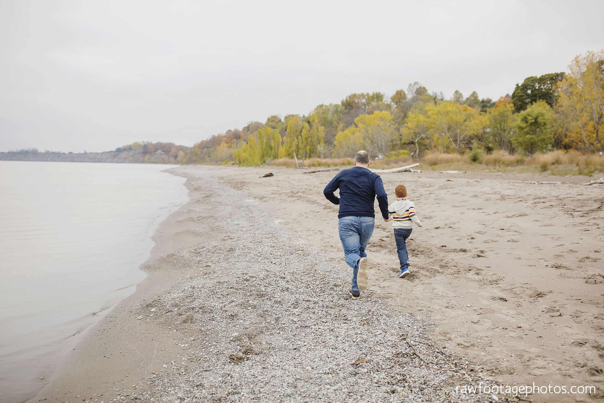london_ontario_family_photographer-port_stanley_photography-raw_footage_photography-family_photos-beach_photos-fall_family_photos-lifestyle_family_photography-candid_photographer007.jpg
