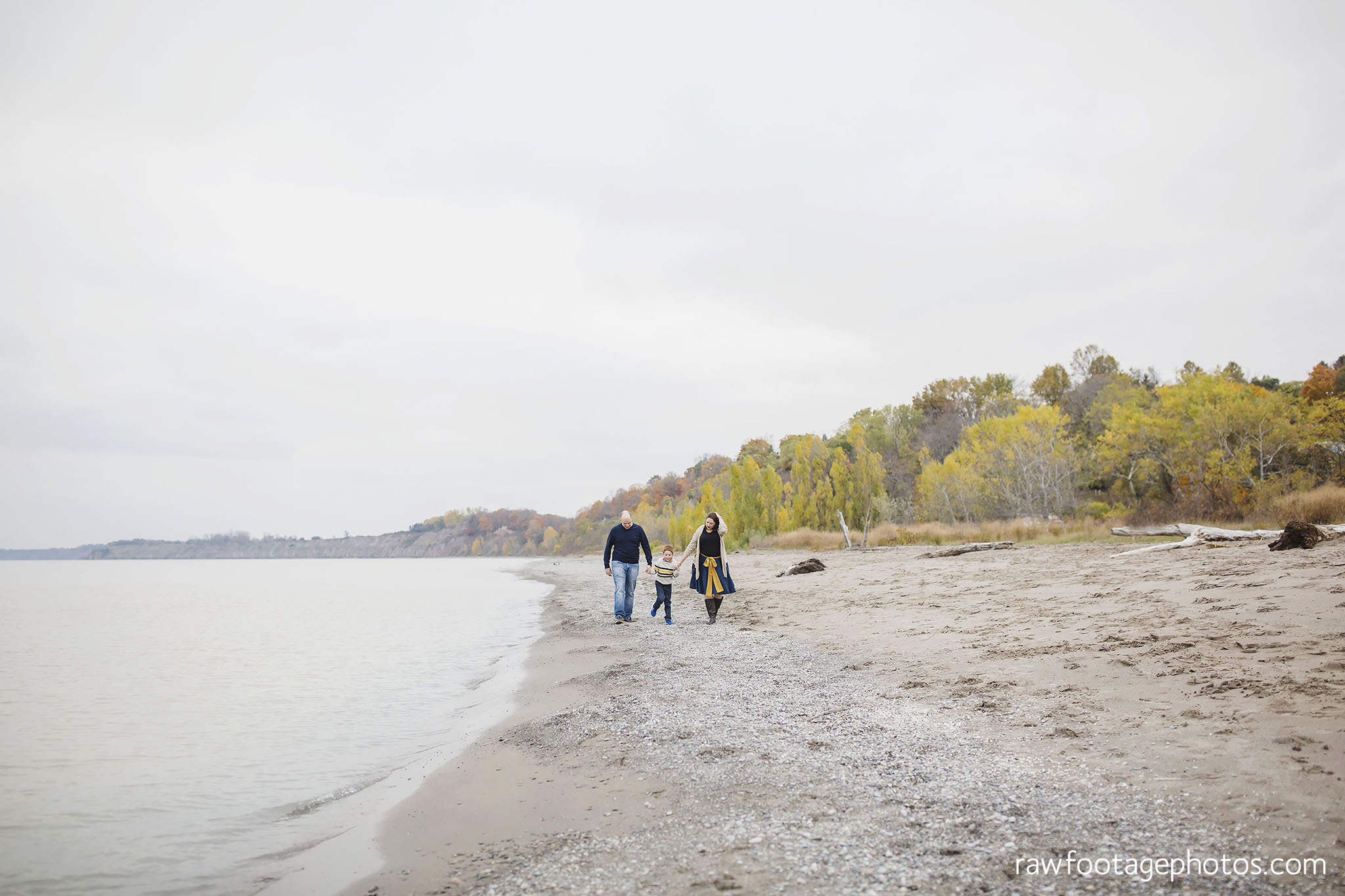london_ontario_family_photographer-port_stanley_photography-raw_footage_photography-family_photos-beach_photos-fall_family_photos-lifestyle_family_photography-candid_photographer011.jpg