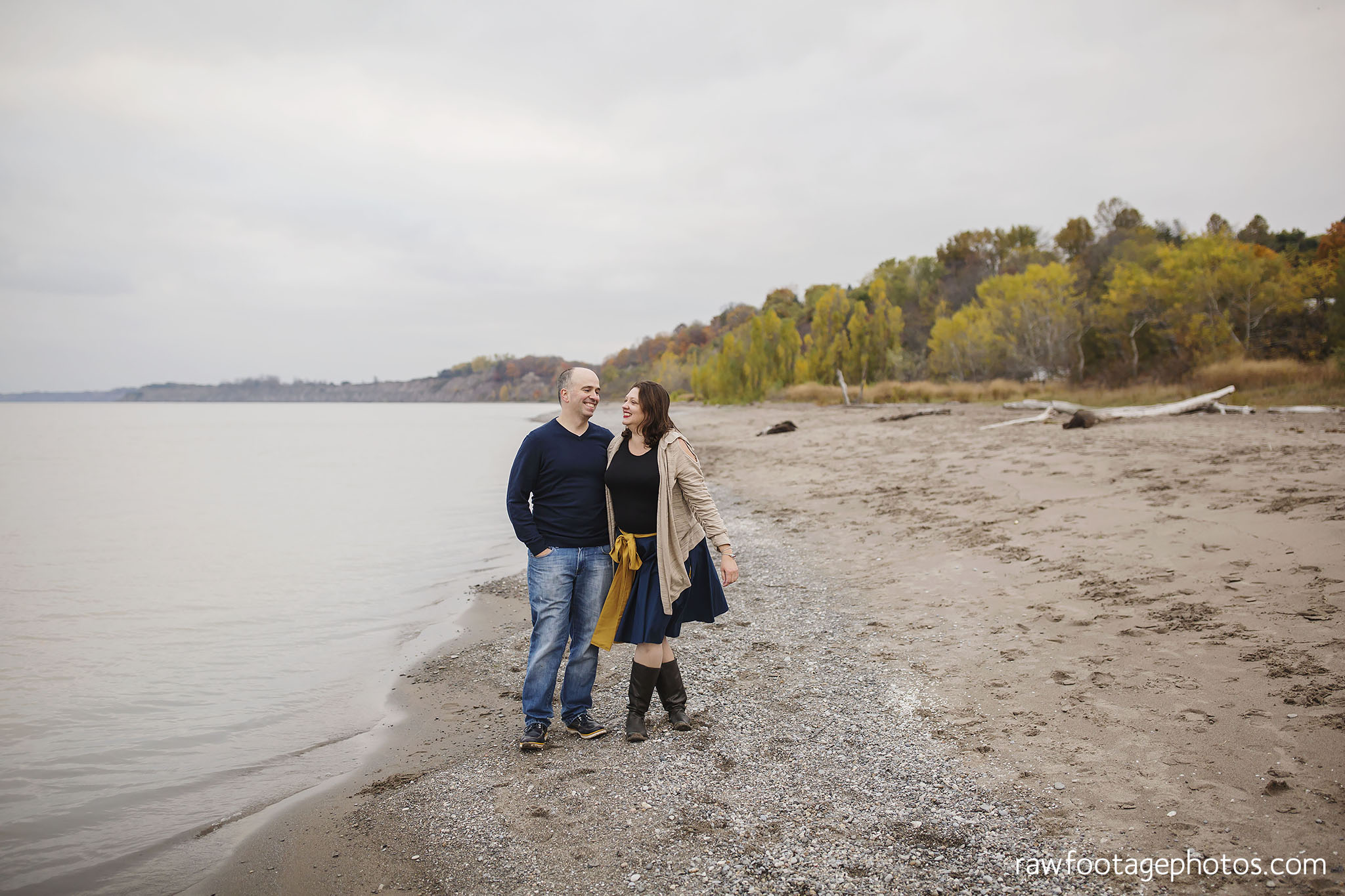 london_ontario_family_photographer-port_stanley_photography-raw_footage_photography-family_photos-beach_photos-fall_family_photos-lifestyle_family_photography-candid_photographer014.jpg