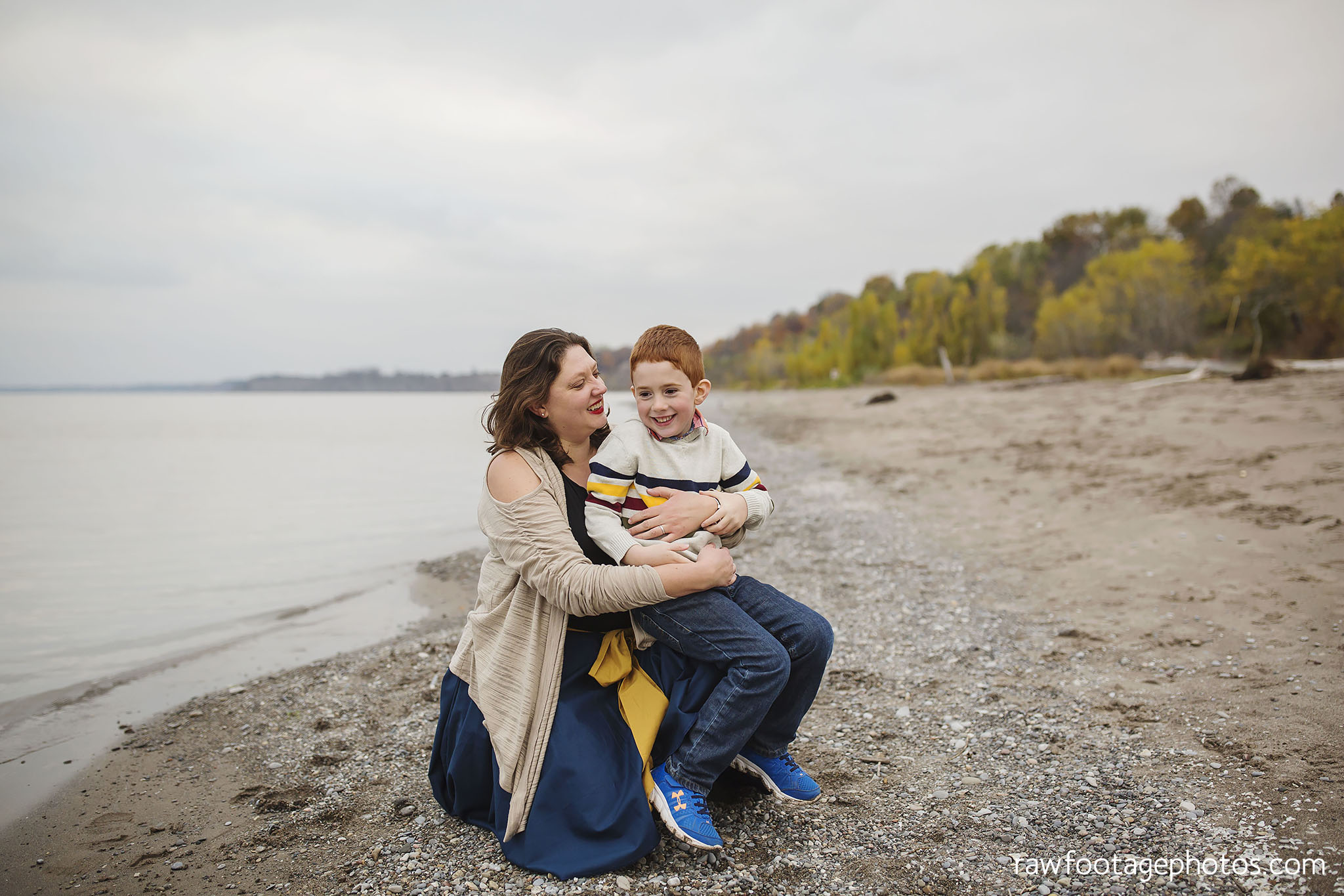 london_ontario_family_photographer-port_stanley_photography-raw_footage_photography-family_photos-beach_photos-fall_family_photos-lifestyle_family_photography-candid_photographer015.jpg