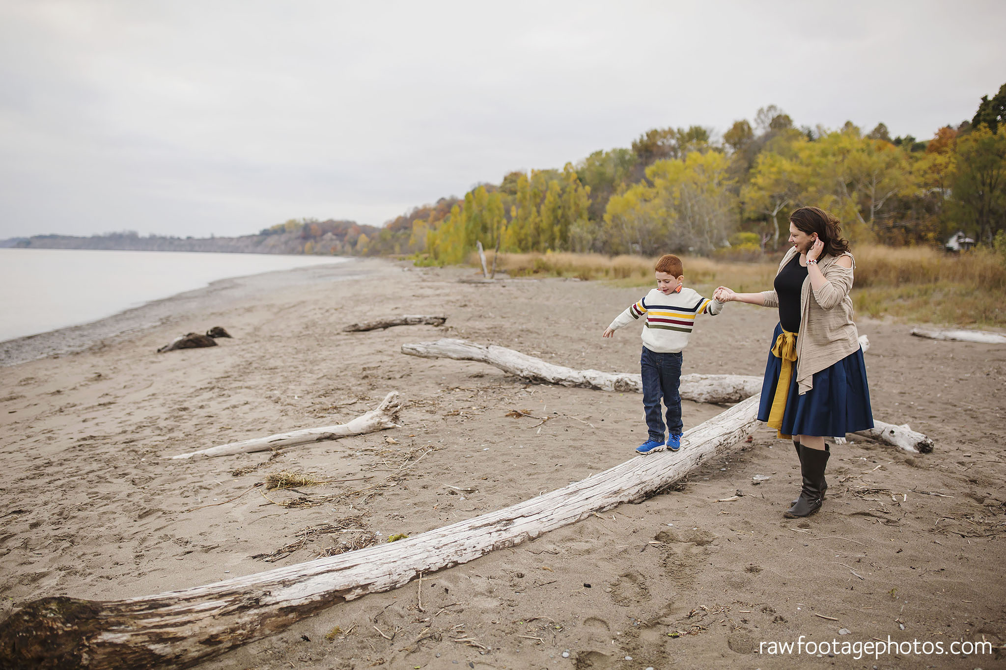 london_ontario_family_photographer-port_stanley_photography-raw_footage_photography-family_photos-beach_photos-fall_family_photos-lifestyle_family_photography-candid_photographer017.jpg