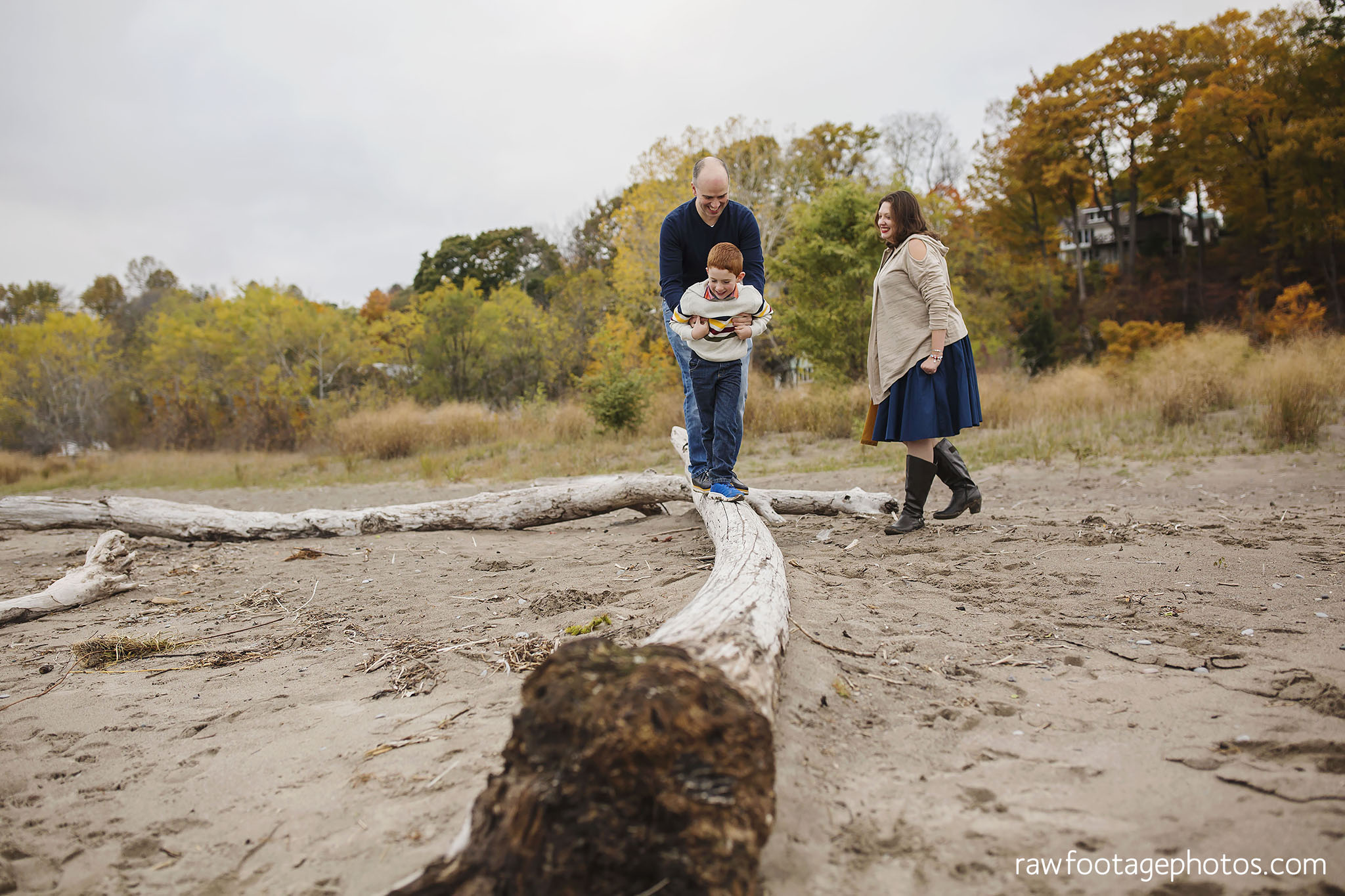 london_ontario_family_photographer-port_stanley_photography-raw_footage_photography-family_photos-beach_photos-fall_family_photos-lifestyle_family_photography-candid_photographer020.jpg