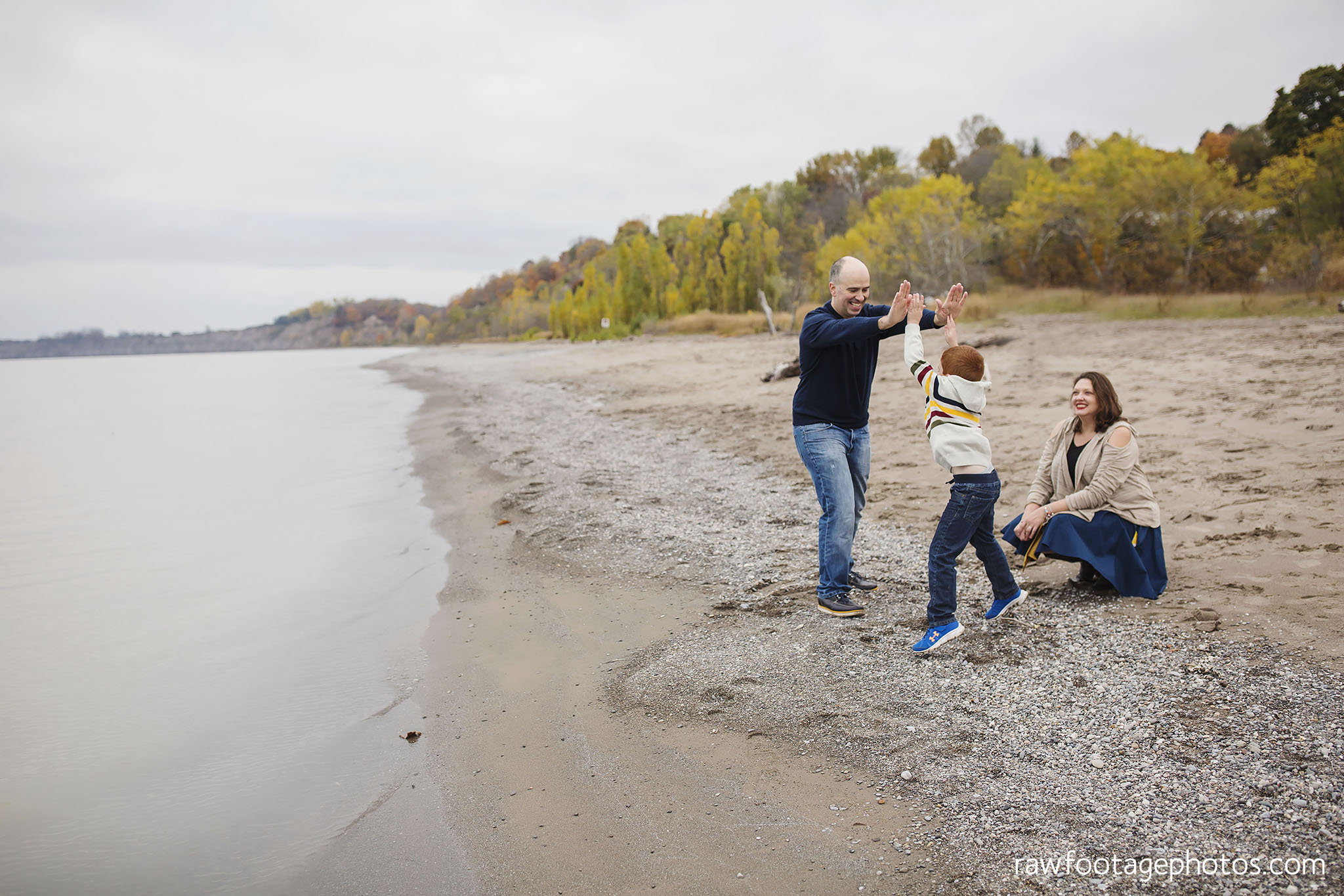 london_ontario_family_photographer-port_stanley_photography-raw_footage_photography-family_photos-beach_photos-fall_family_photos-lifestyle_family_photography-candid_photographer022.jpg