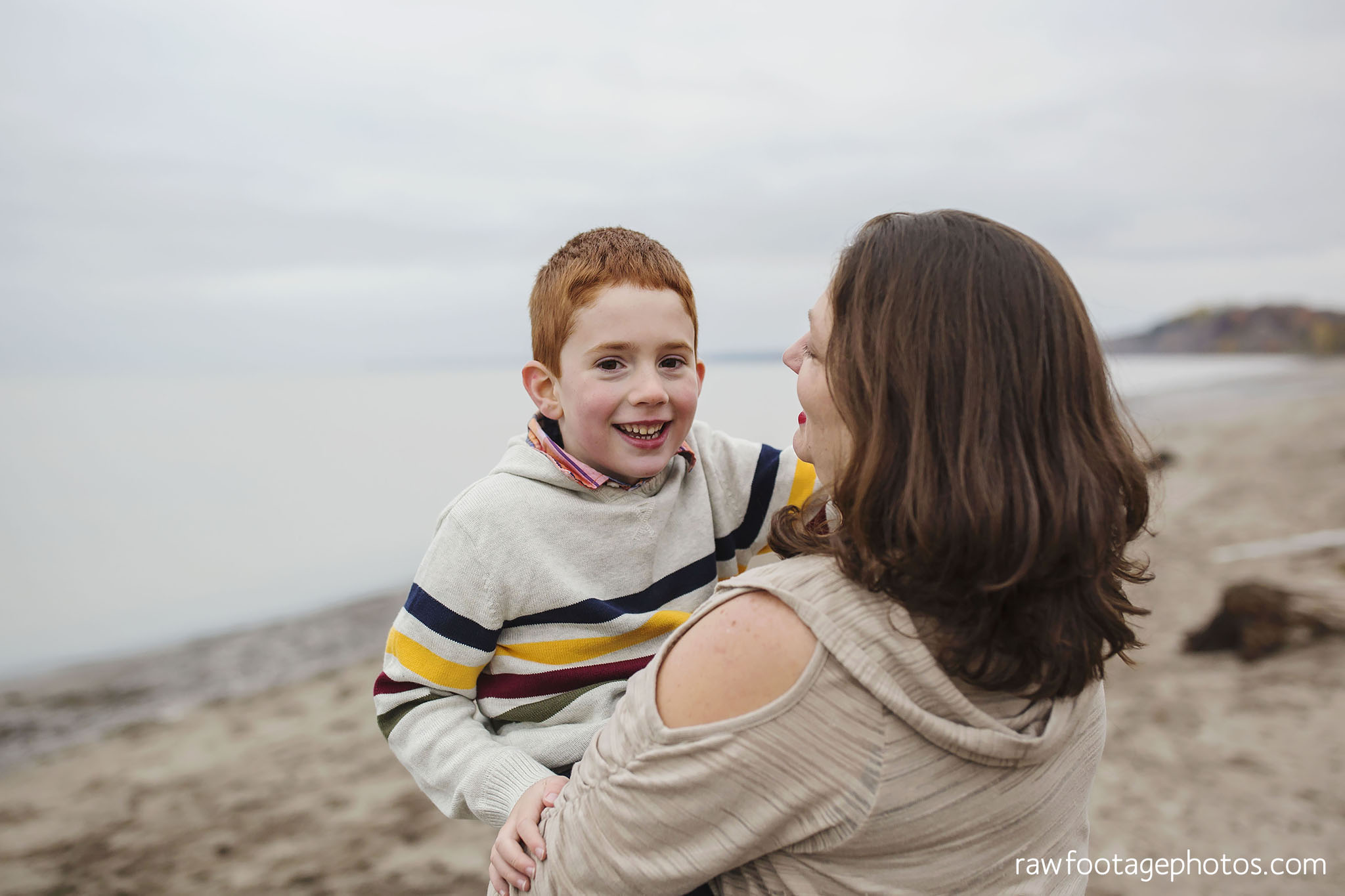 london_ontario_family_photographer-port_stanley_photography-raw_footage_photography-family_photos-beach_photos-fall_family_photos-lifestyle_family_photography-candid_photographer027.jpg