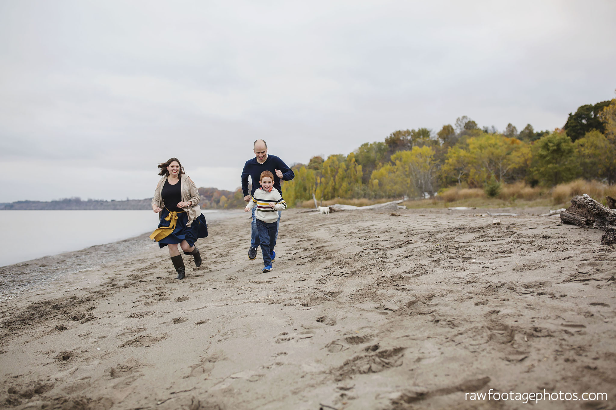 london_ontario_family_photographer-port_stanley_photography-raw_footage_photography-family_photos-beach_photos-fall_family_photos-lifestyle_family_photography-candid_photographer029.jpg