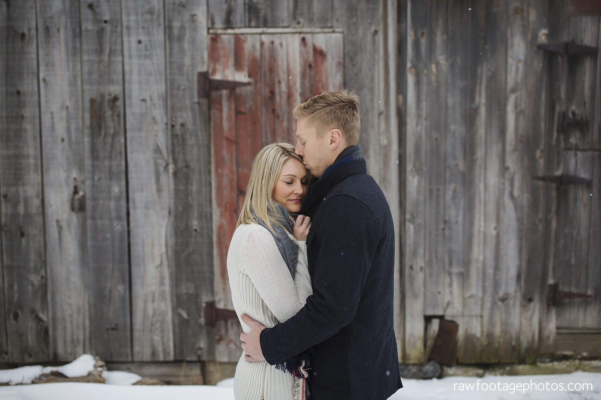 london_ontario_wedding_photographer-engagement_session-goderich_ontario-winter_e_session-barn_photos-raw_footage_photography002.jpg