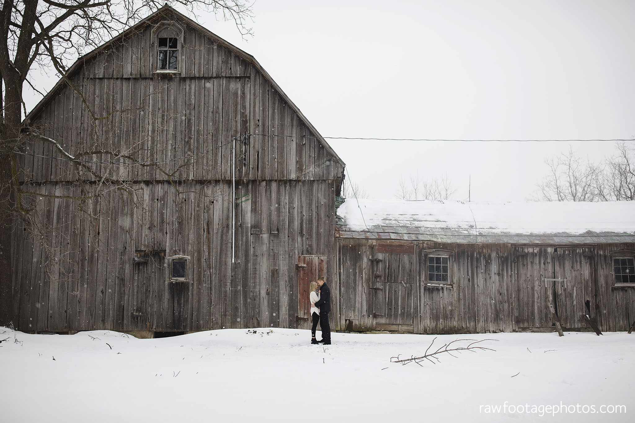 london_ontario_wedding_photographer-engagement_session-goderich_ontario-winter_e_session-barn_photos-raw_footage_photography001.jpg