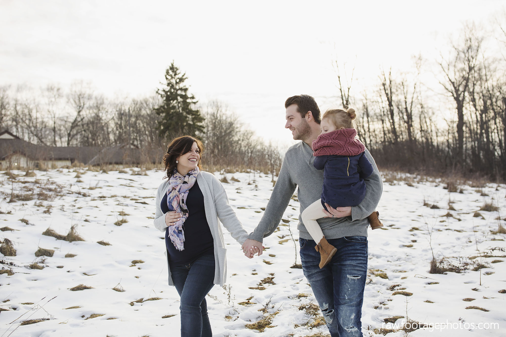 London_Ontario_Maternity_Photographer-Maternity_Session-Family_Photography-Winter_Photos-Raw_Footage_Photography005.jpg