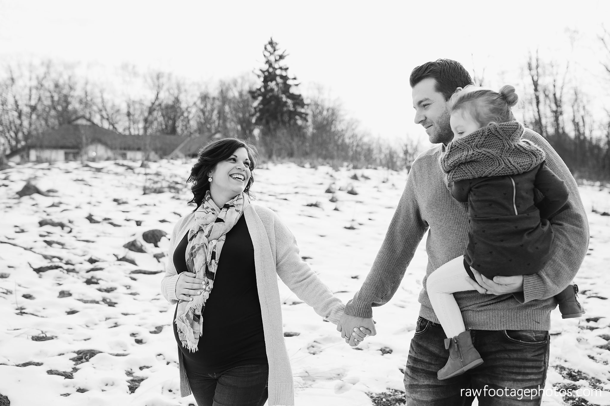London_Ontario_Maternity_Photographer-Maternity_Session-Family_Photography-Winter_Photos-Raw_Footage_Photography006.jpg