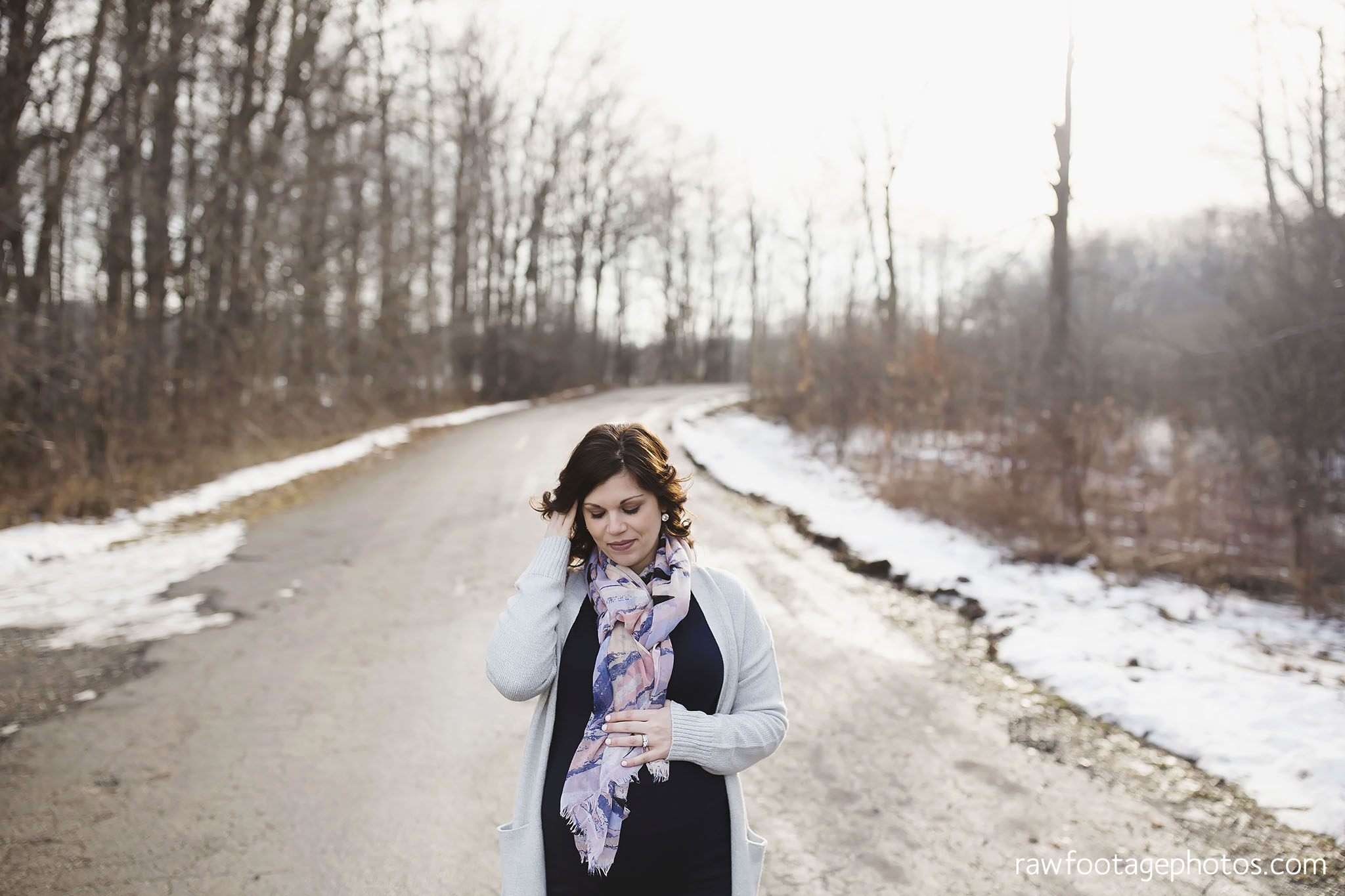 London_Ontario_Maternity_Photographer-Maternity_Session-Family_Photography-Winter_Photos-Raw_Footage_Photography013.jpg