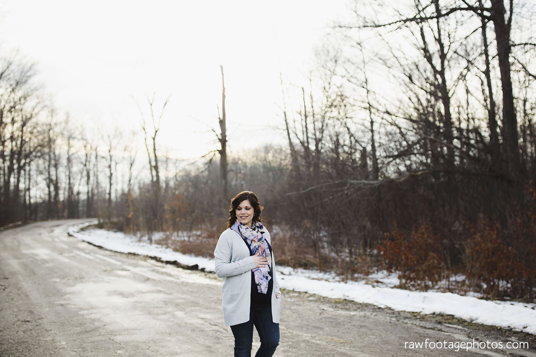 London_Ontario_Maternity_Photographer-Maternity_Session-Family_Photography-Winter_Photos-Raw_Footage_Photography020.jpg