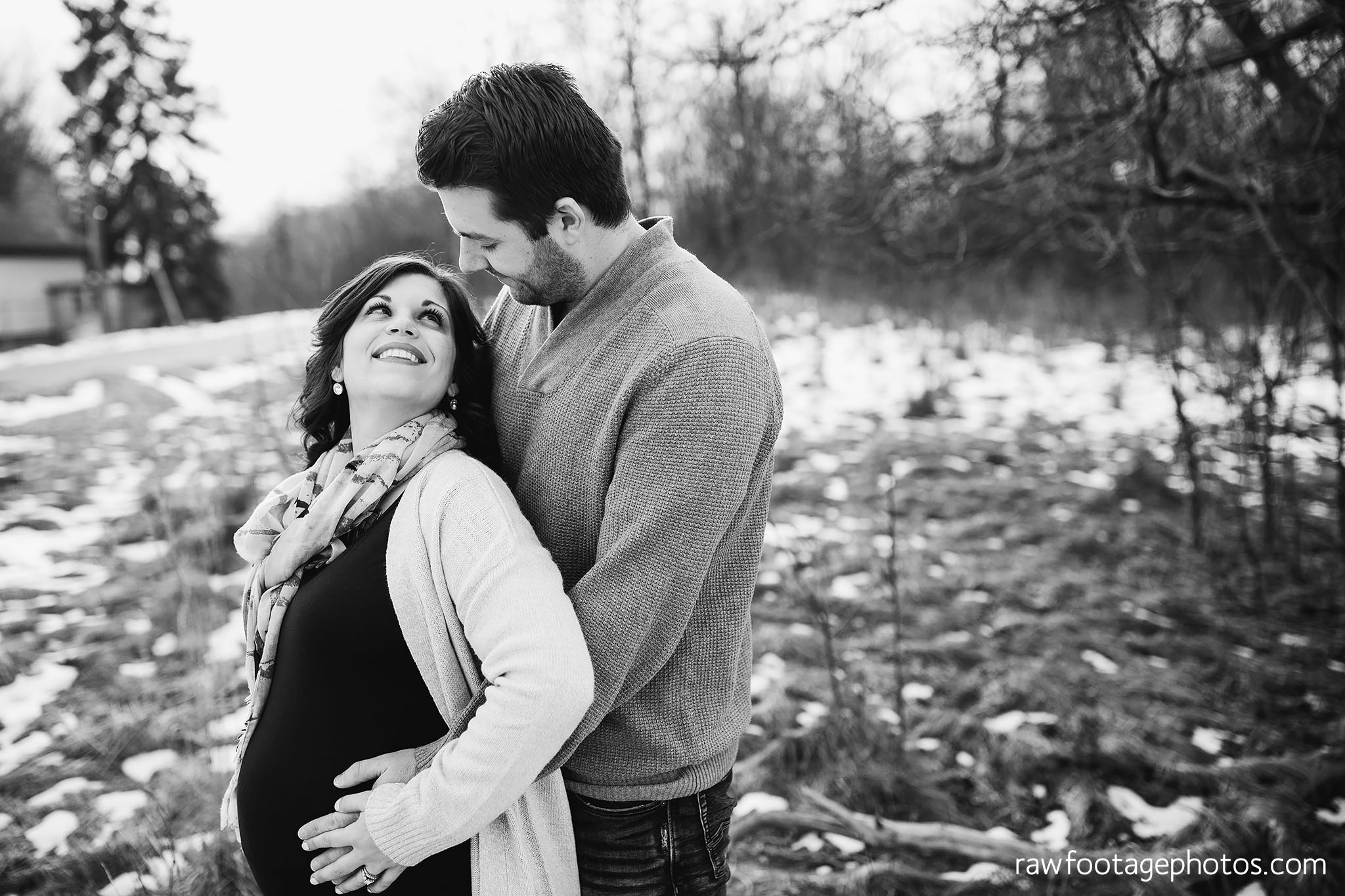London_Ontario_Maternity_Photographer-Maternity_Session-Family_Photography-Winter_Photos-Raw_Footage_Photography025.jpg