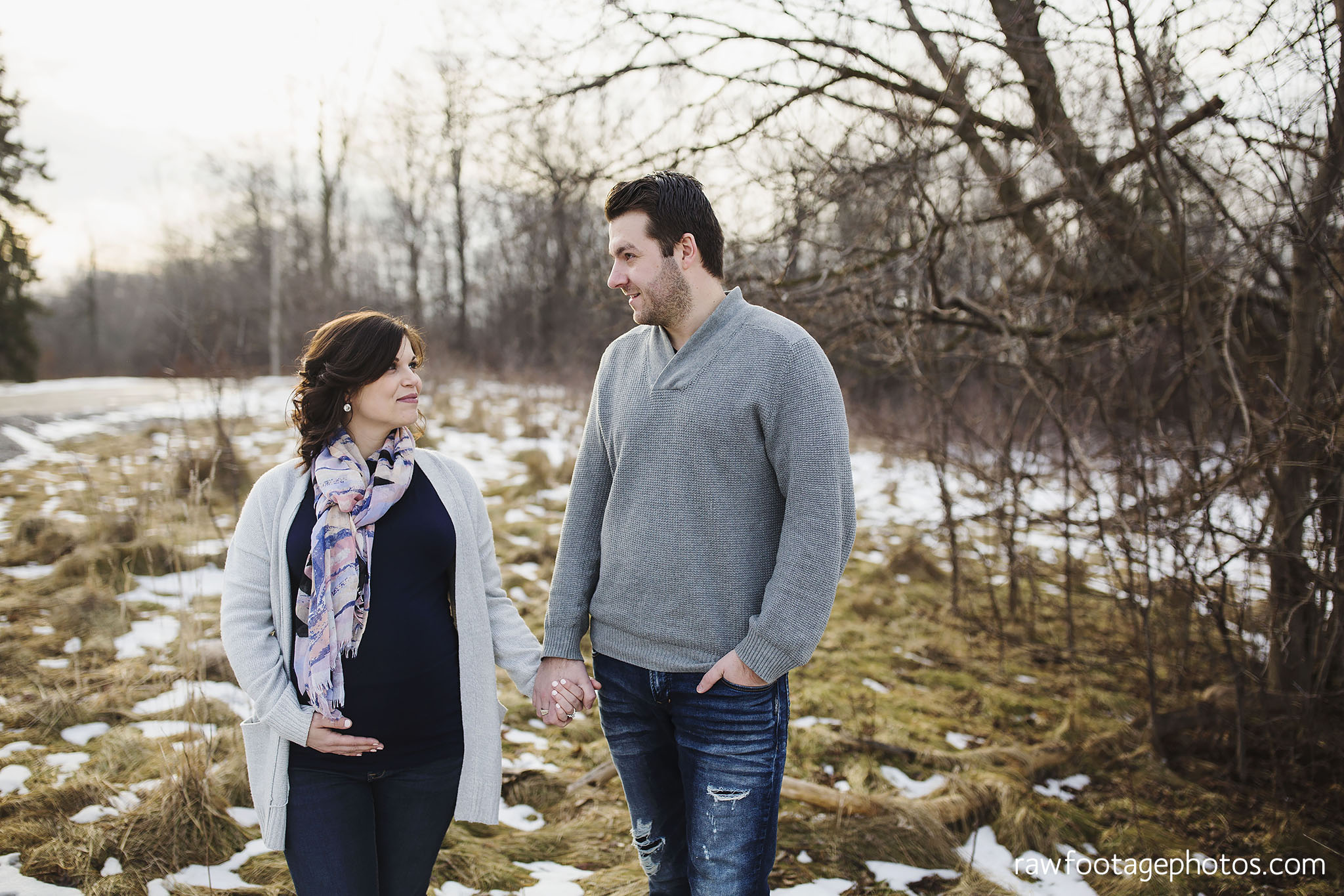 London_Ontario_Maternity_Photographer-Maternity_Session-Family_Photography-Winter_Photos-Raw_Footage_Photography027.jpg