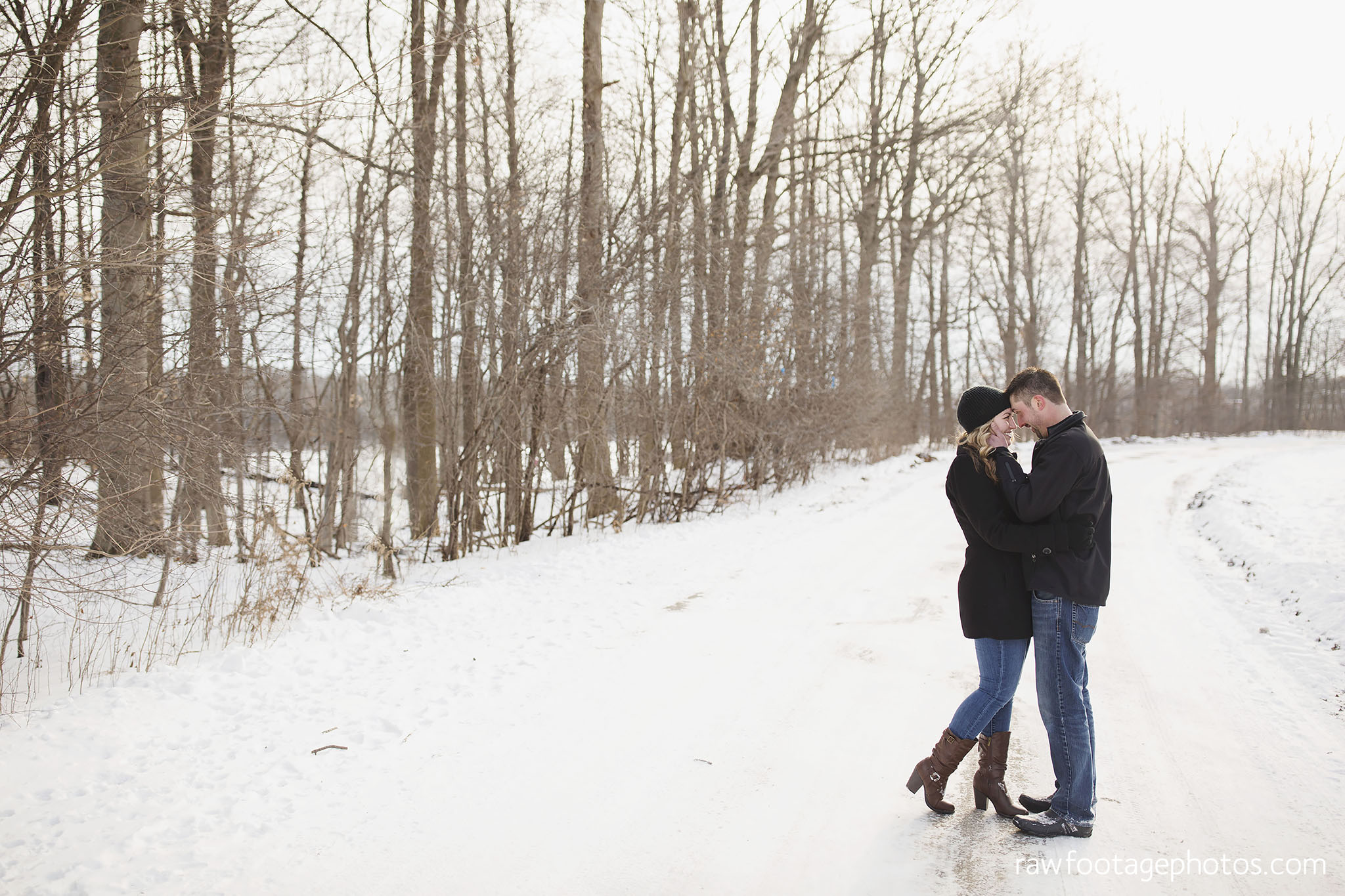 london_ontario_wedding_photographer-engagement_session-winter_engagement_photos-raw_footage_photography008.jpg