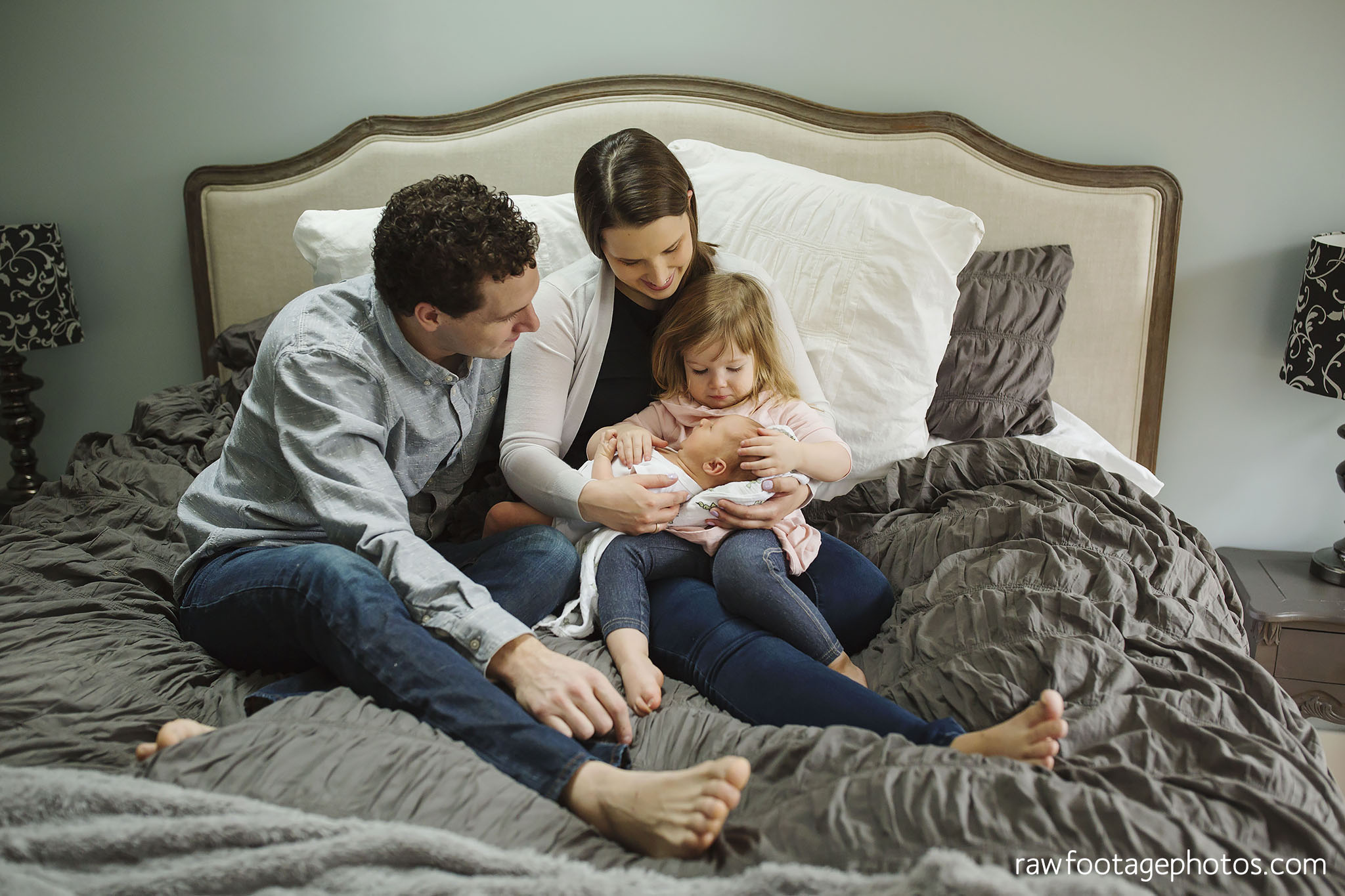 london_ontario_newborn_photographer-lifestyle_newborn_photography-in_home_newborn_session-raw_footage_photography001.jpg