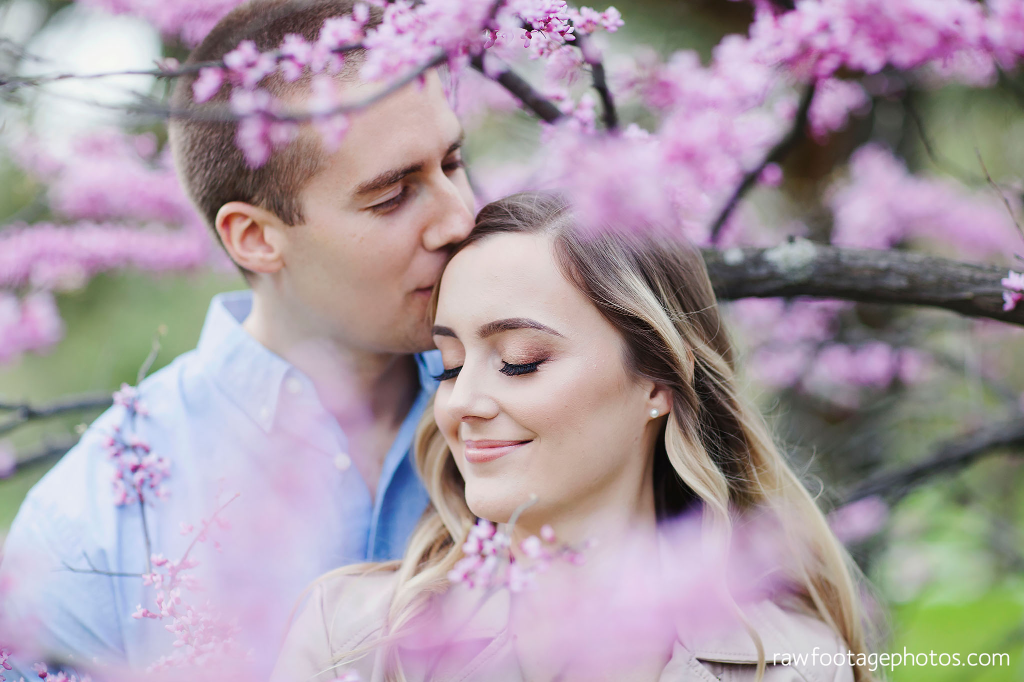 london_ontario_wedding_photographer-raw_footage_photography-engagement_session-engagement_photos-spring-blossoms-blooms011.jpg