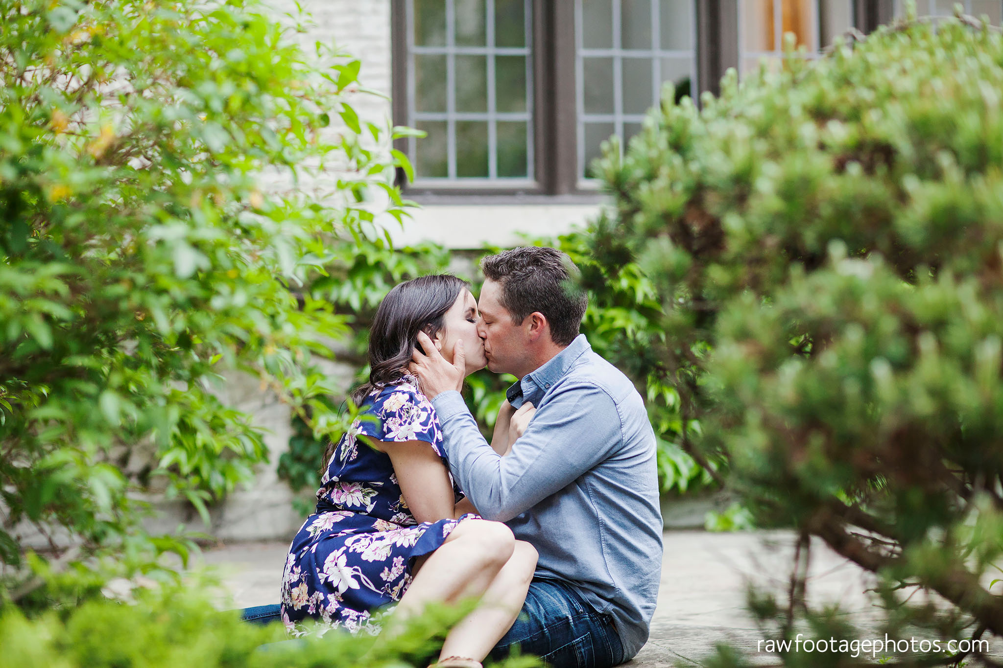 london_ontario_wedding_photographer-raw_footage_photography-engagement_session-campus_session-kings_college-uwo-spring_blooms023.jpg