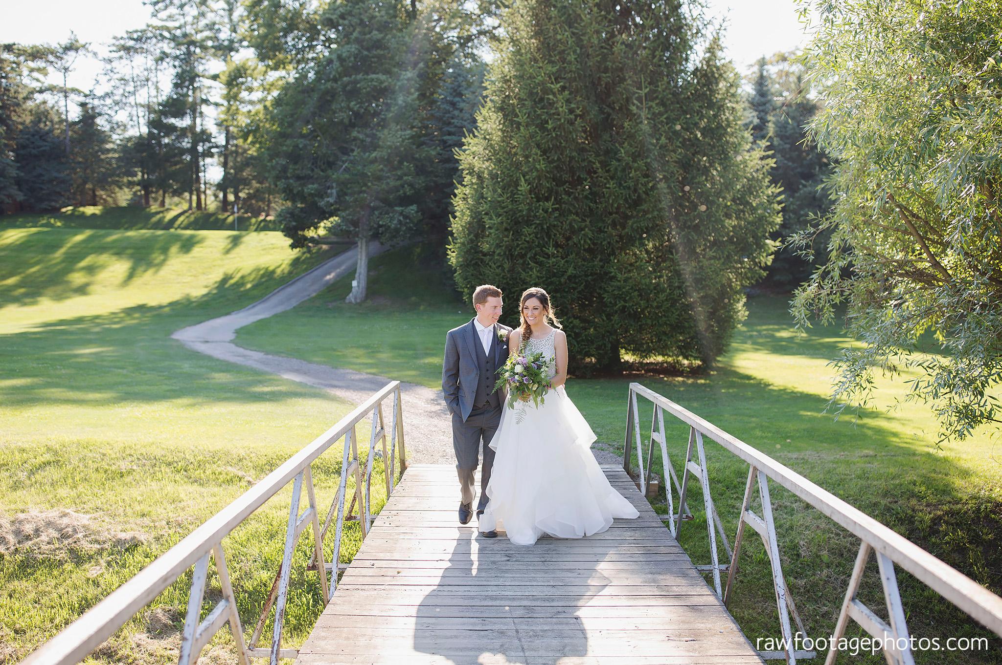 london_ontario_wedding_photographer-grand_bend_wedding_photographer-oakwood_resort_wedding-beach_wedding-sunset_wedding-raw_footage_photography044.jpg