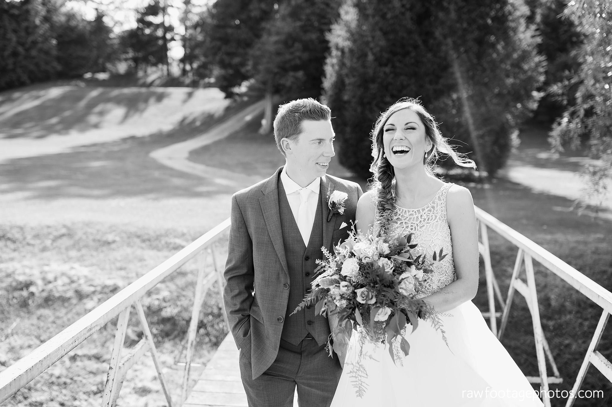 london_ontario_wedding_photographer-grand_bend_wedding_photographer-oakwood_resort_wedding-beach_wedding-sunset_wedding-raw_footage_photography046.jpg