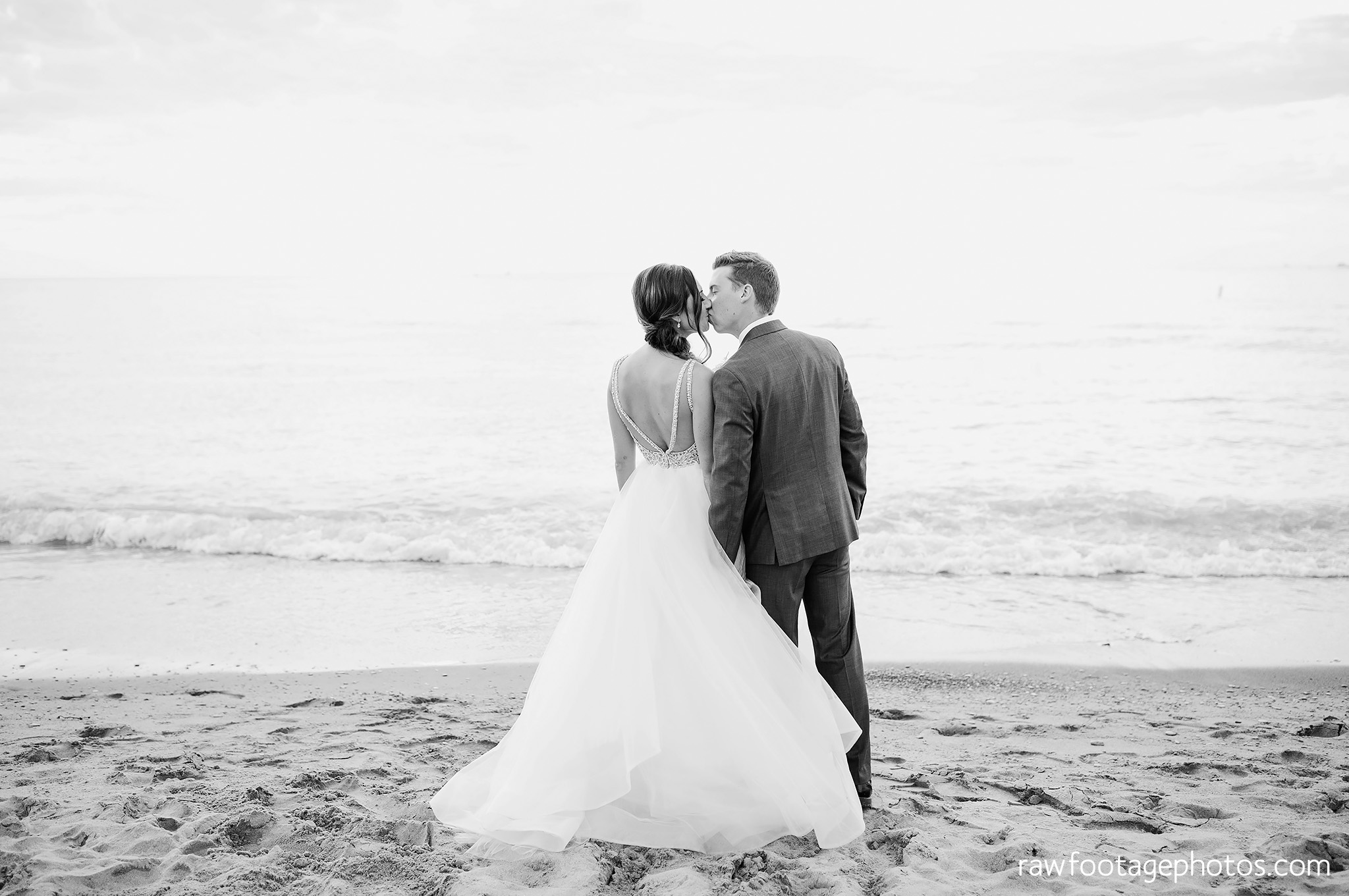 london_ontario_wedding_photographer-grand_bend_wedding_photographer-oakwood_resort_wedding-beach_wedding-sunset_wedding-raw_footage_photography064.jpg