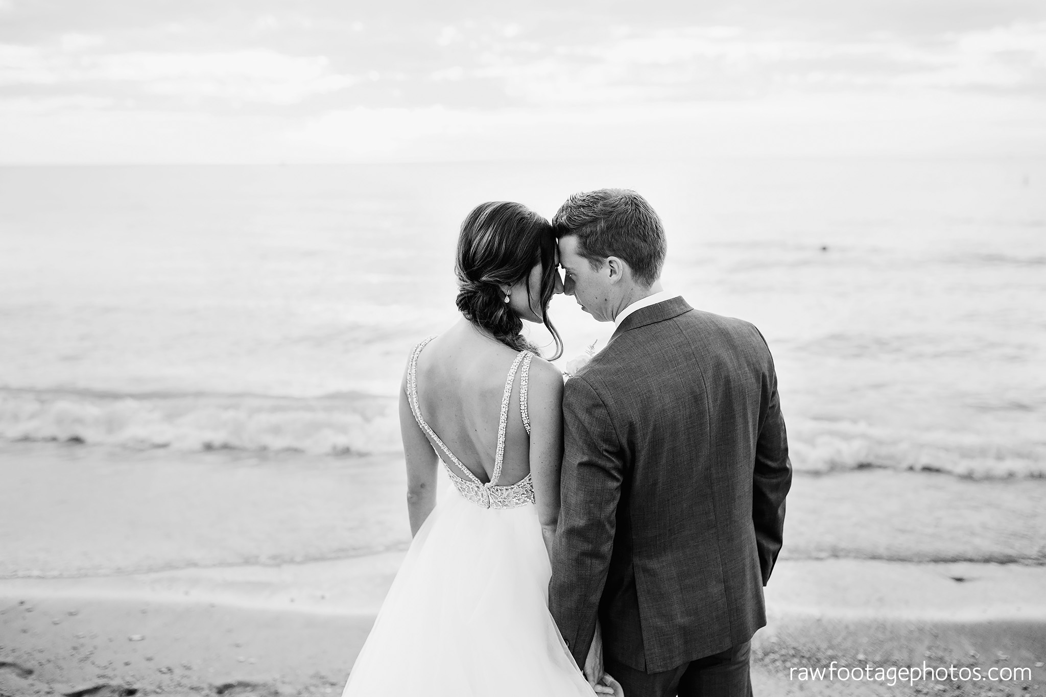 london_ontario_wedding_photographer-grand_bend_wedding_photographer-oakwood_resort_wedding-beach_wedding-sunset_wedding-raw_footage_photography065.jpg