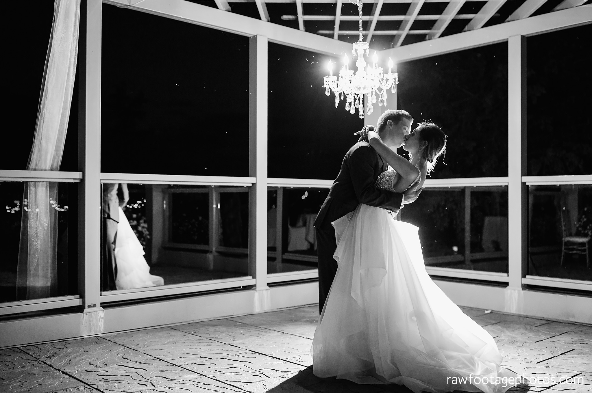 london_ontario_wedding_photographer-grand_bend_wedding_photographer-oakwood_resort_wedding-beach_wedding-sunset_wedding-raw_footage_photography074.jpg