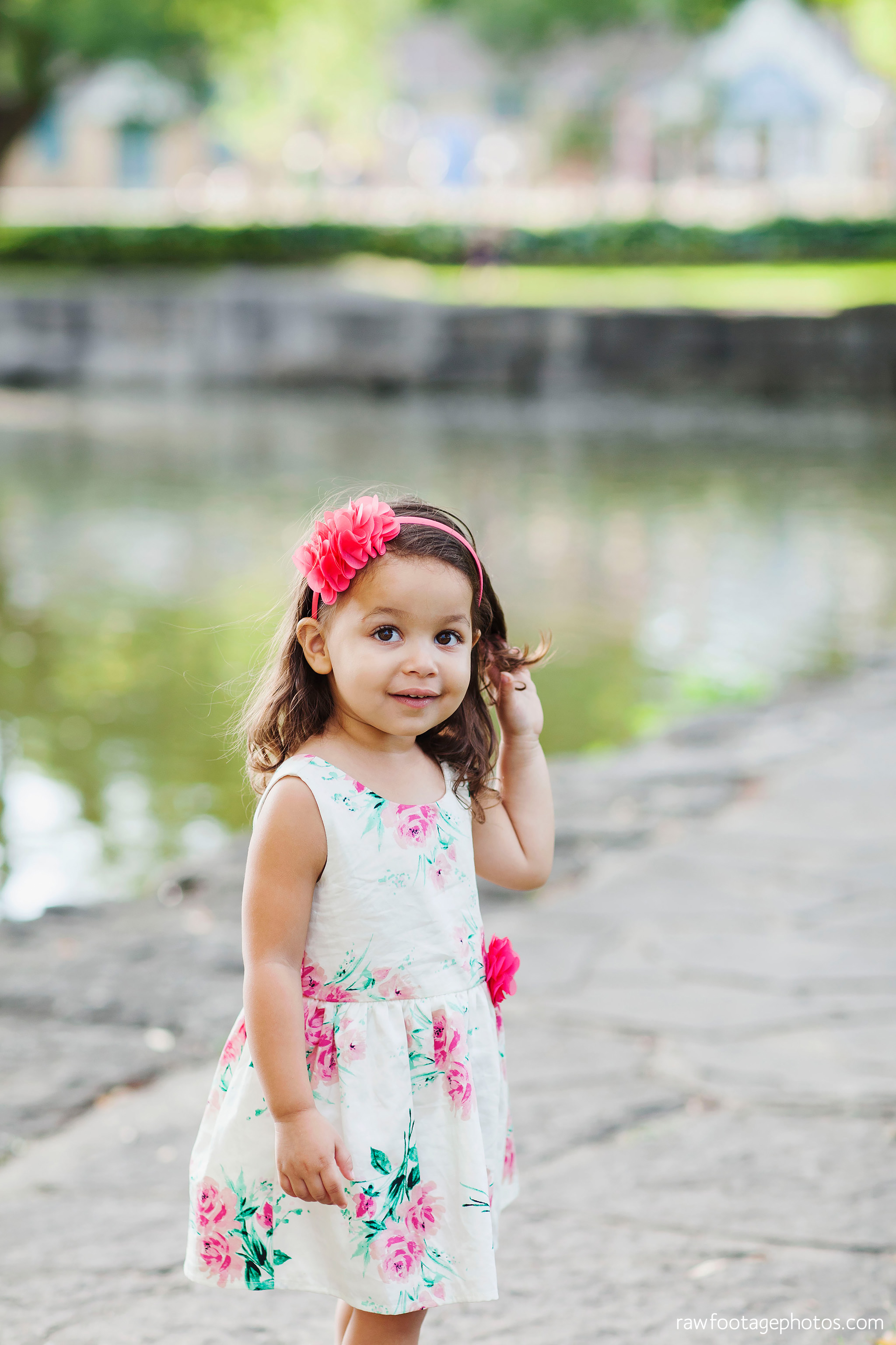 london_ontario_family_photographer-stratford_ontario_photographer-raw_footage_photography-lifestyle_photography-candid-golden_hour018.jpg