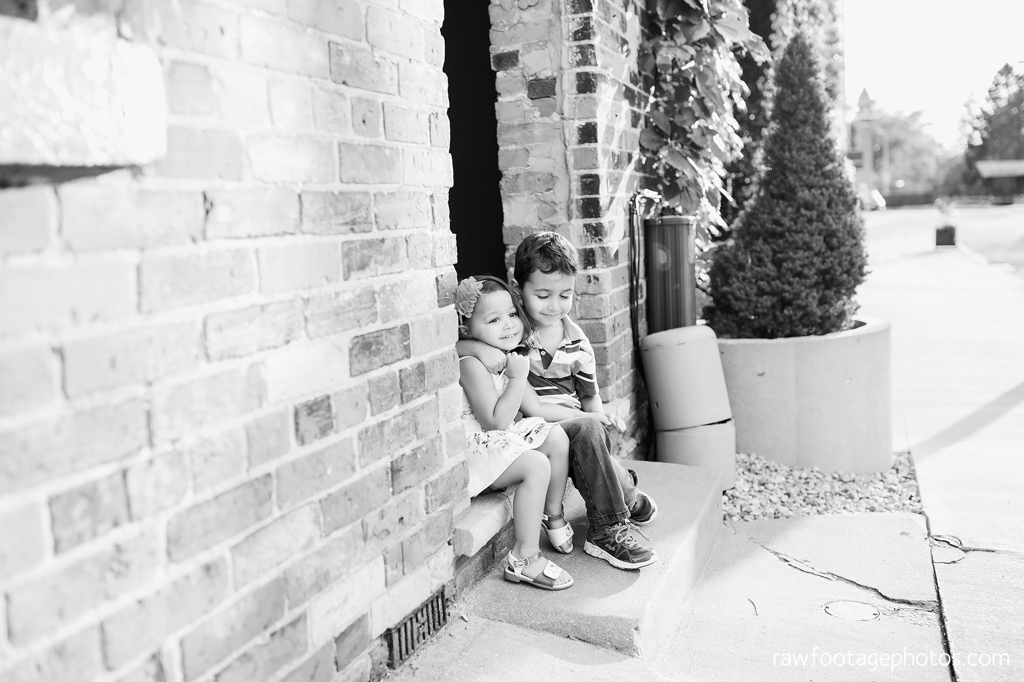 london_ontario_family_photographer-stratford_ontario_photographer-raw_footage_photography-lifestyle_photography-candid-golden_hour025.jpg