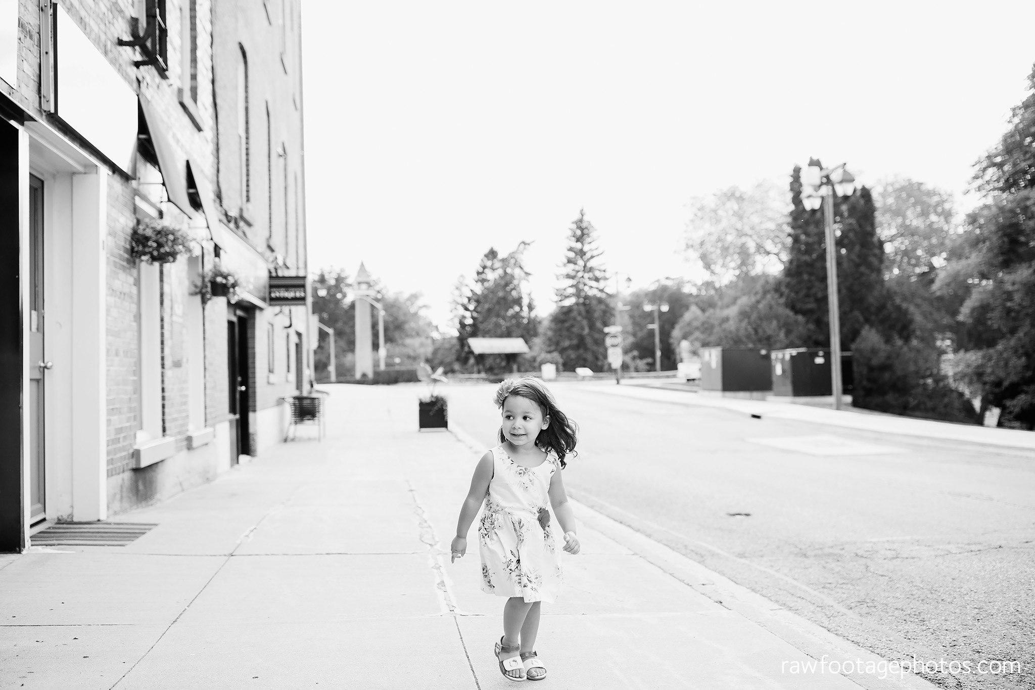 london_ontario_family_photographer-stratford_ontario_photographer-raw_footage_photography-lifestyle_photography-candid-golden_hour028.jpg