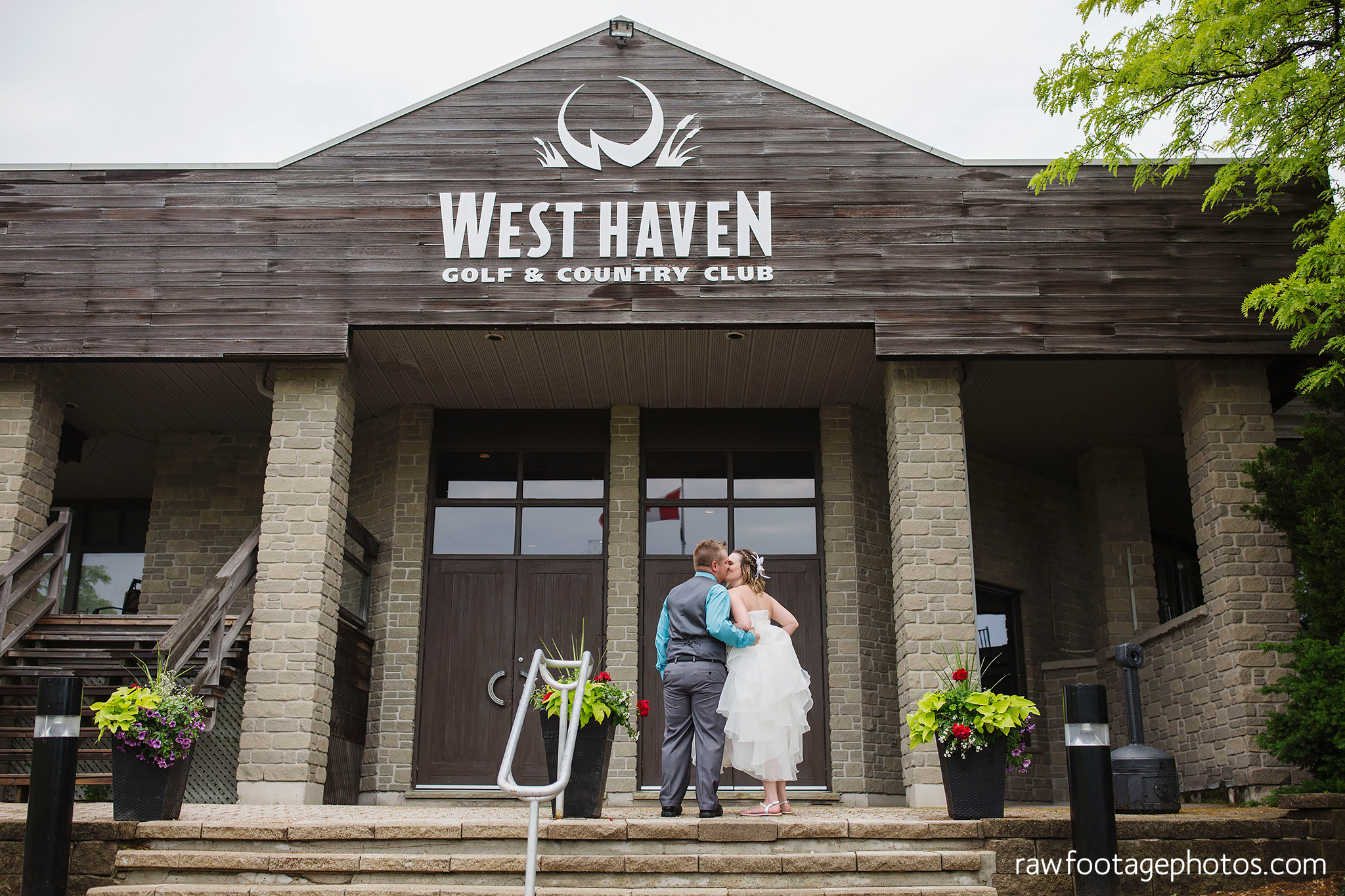 london_ontario_wedding_photographer-west_haven_golf_and_country_club-raw_footage_photography014.jpg