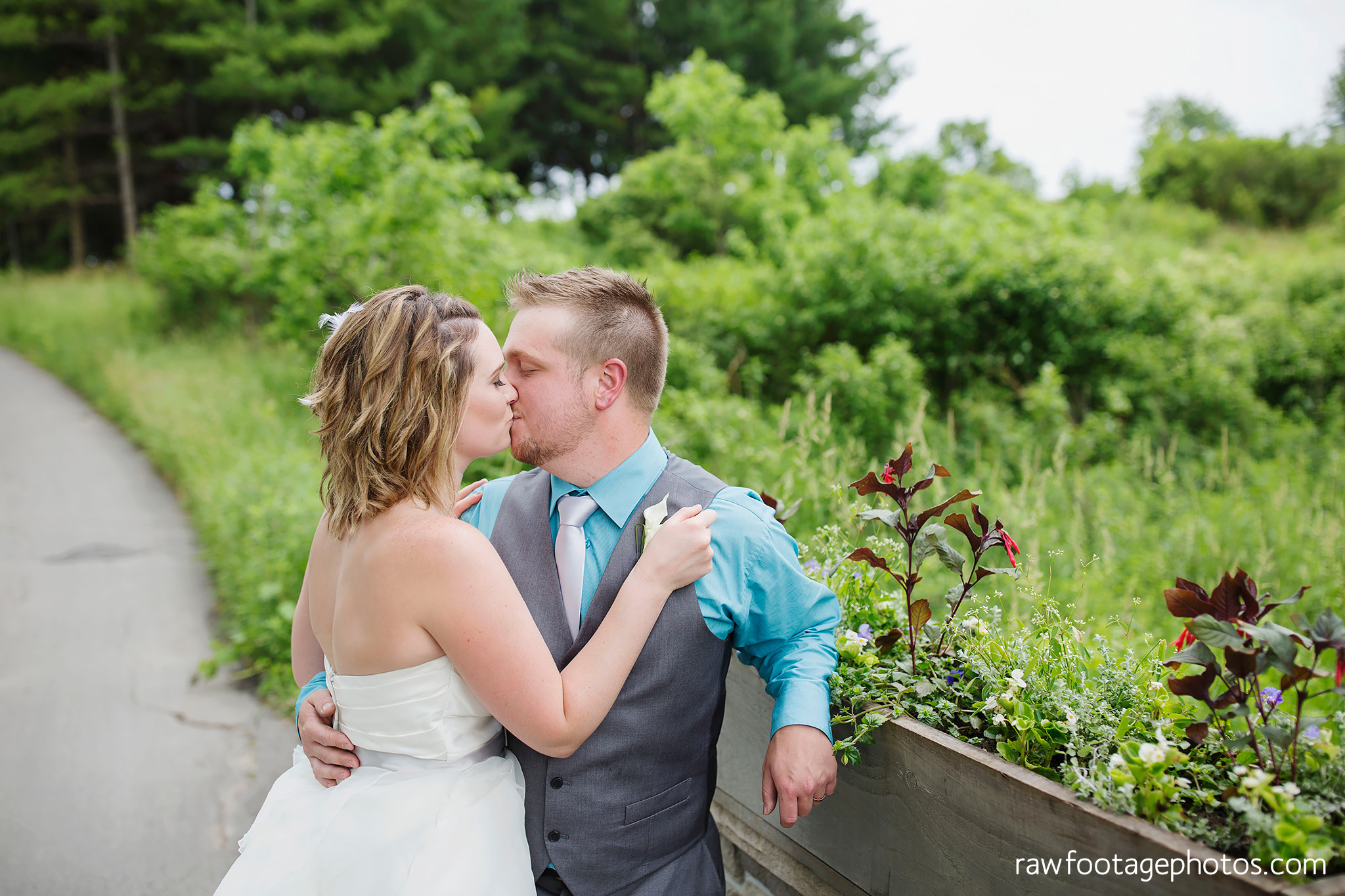 london_ontario_wedding_photographer-west_haven_golf_and_country_club-raw_footage_photography040.jpg