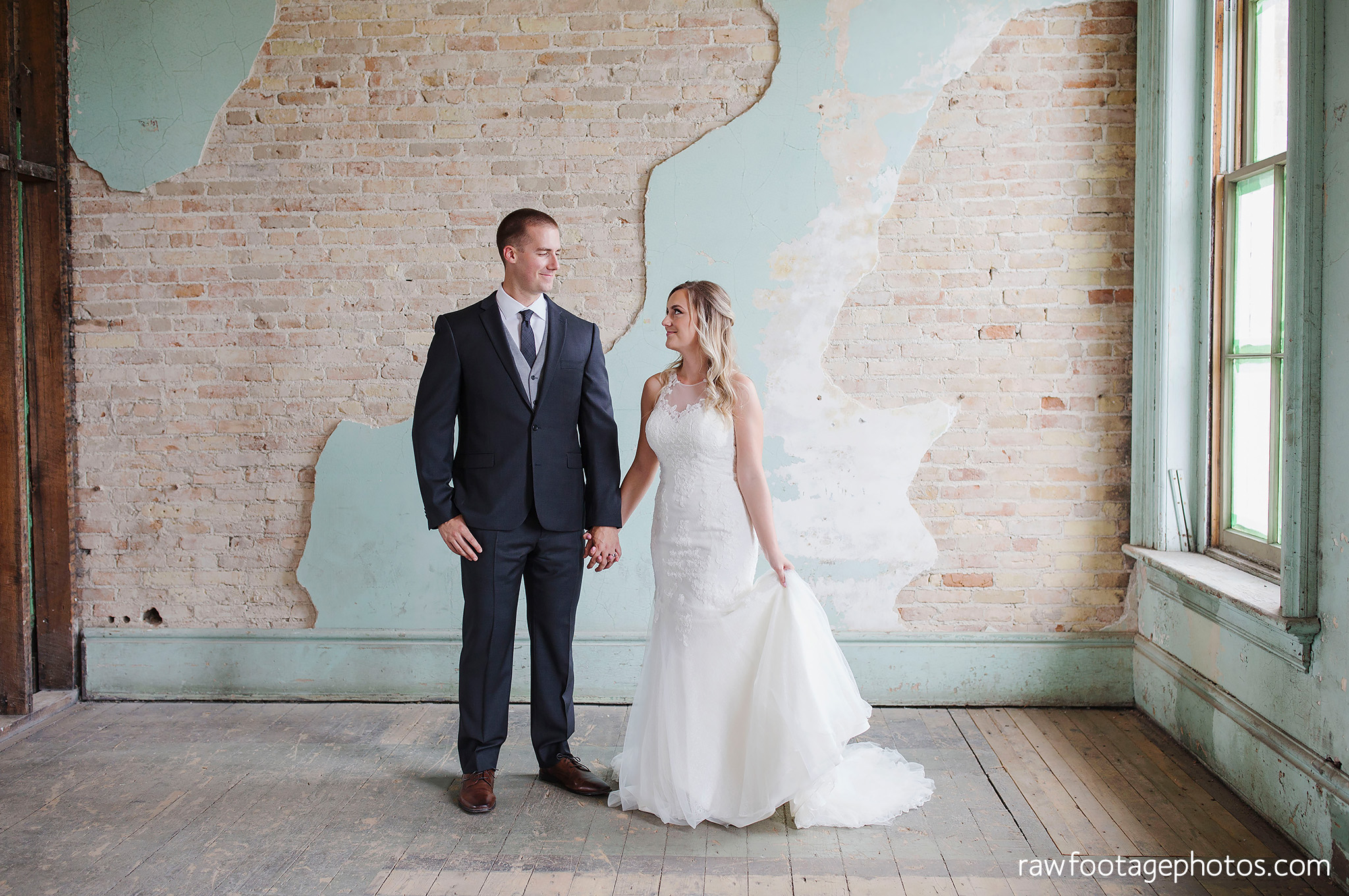 london_ontario_wedding_photographer-caso_train_station_wedding-st_thomas_photographer-raw_footage_photography001.jpg