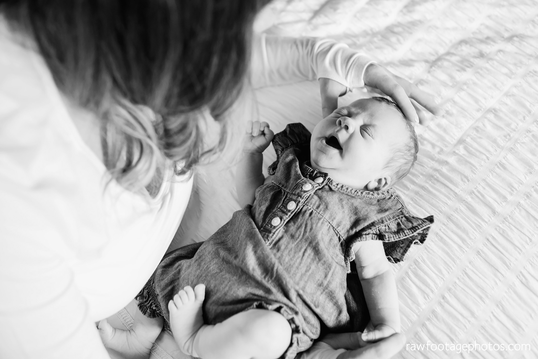 london_ontario_newborn_lifestyle_photography-in_home_newborn_session-raw_footage_photography010.jpg