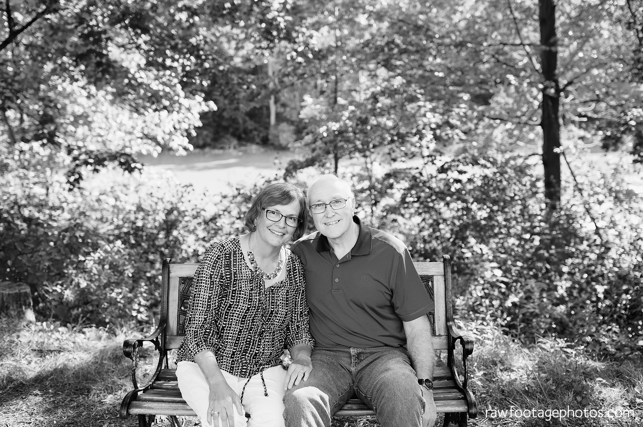 london_ontario_extended_family_backyard_session-raw_footage_photography026.jpg