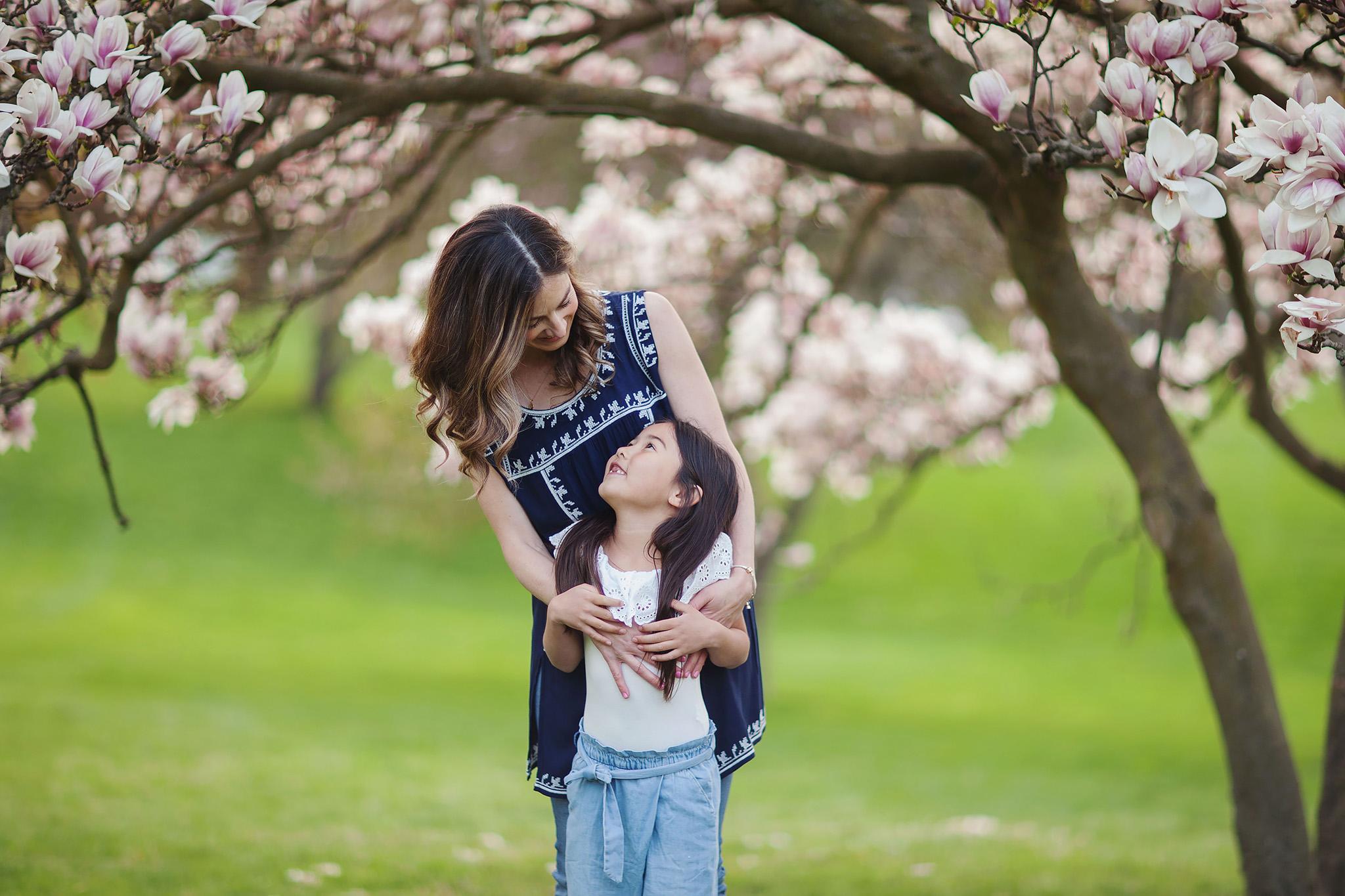 london_ontario_family_photographer-raw_footage_photography-spring_blossom_mini_sessions-magnolia-springbank_park008.jpg