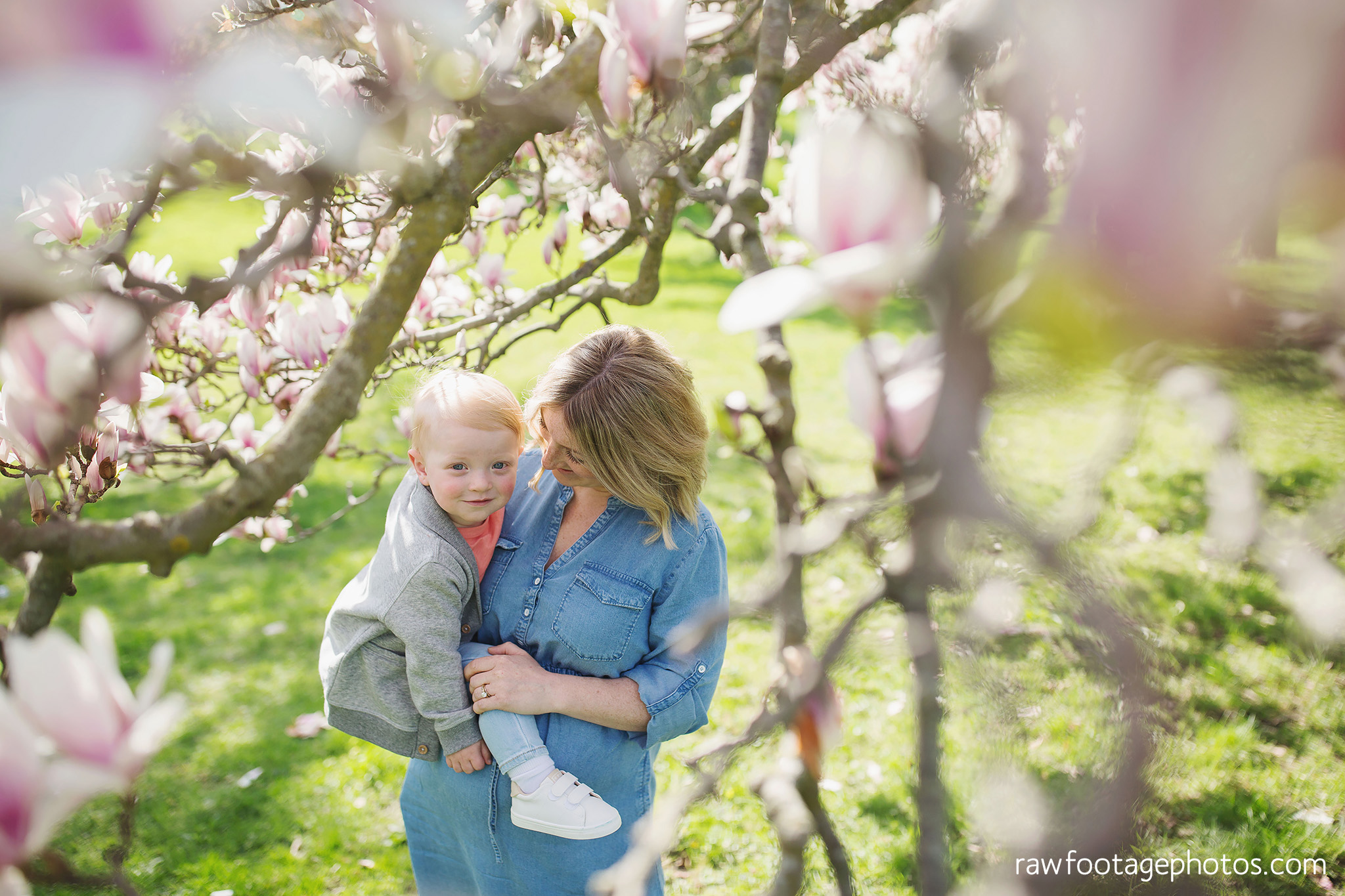 london_ontario_family_photographer-raw_footage_photography-spring_blossom_mini_sessions-magnolia-springbank_park010.jpg