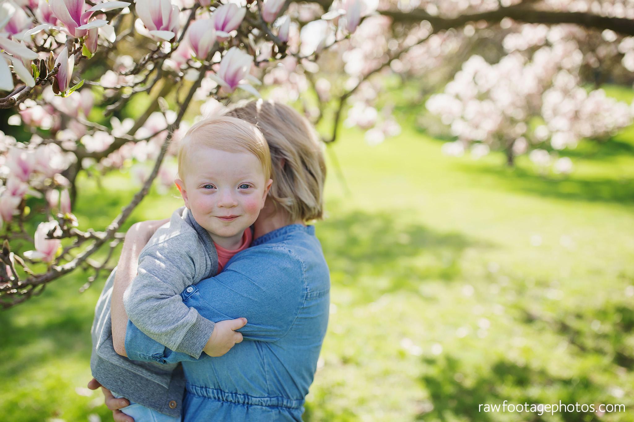 london_ontario_family_photographer-raw_footage_photography-spring_blossom_mini_sessions-magnolia-springbank_park011.jpg