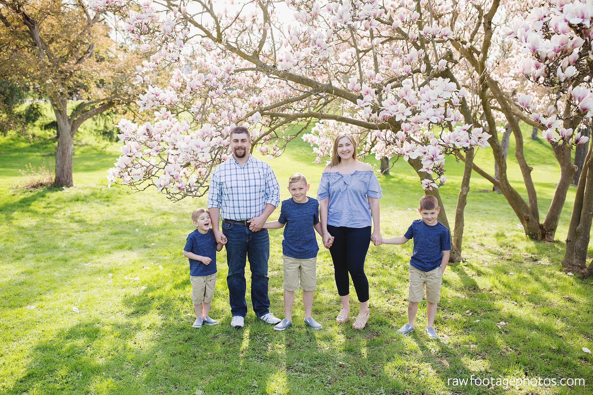 london_ontario_family_photographer-raw_footage_photography-spring_blossom_mini_sessions-magnolia-springbank_park016.jpg
